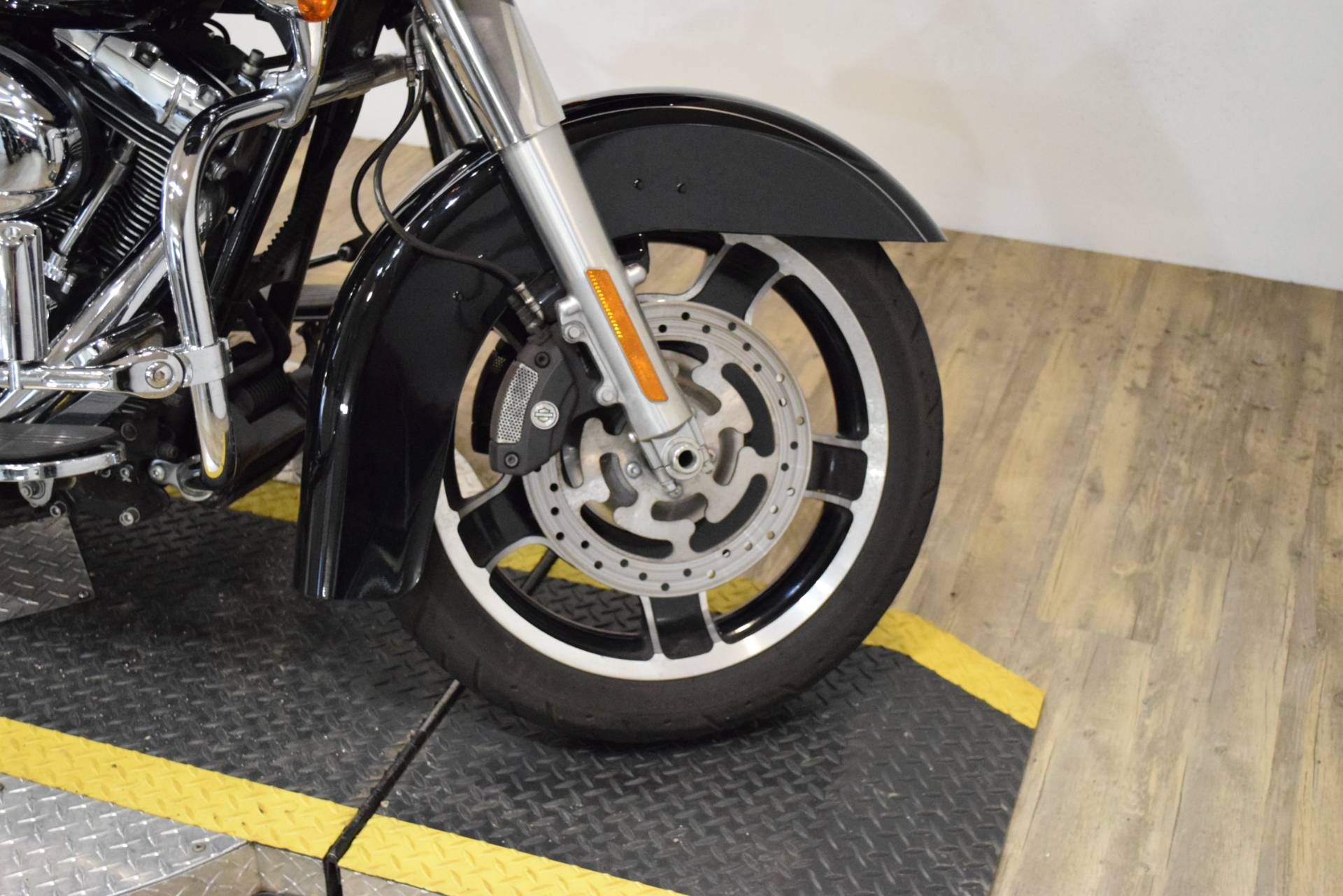 2013 Harley-Davidson Road Glide® Custom in Wauconda, Illinois - Photo 2