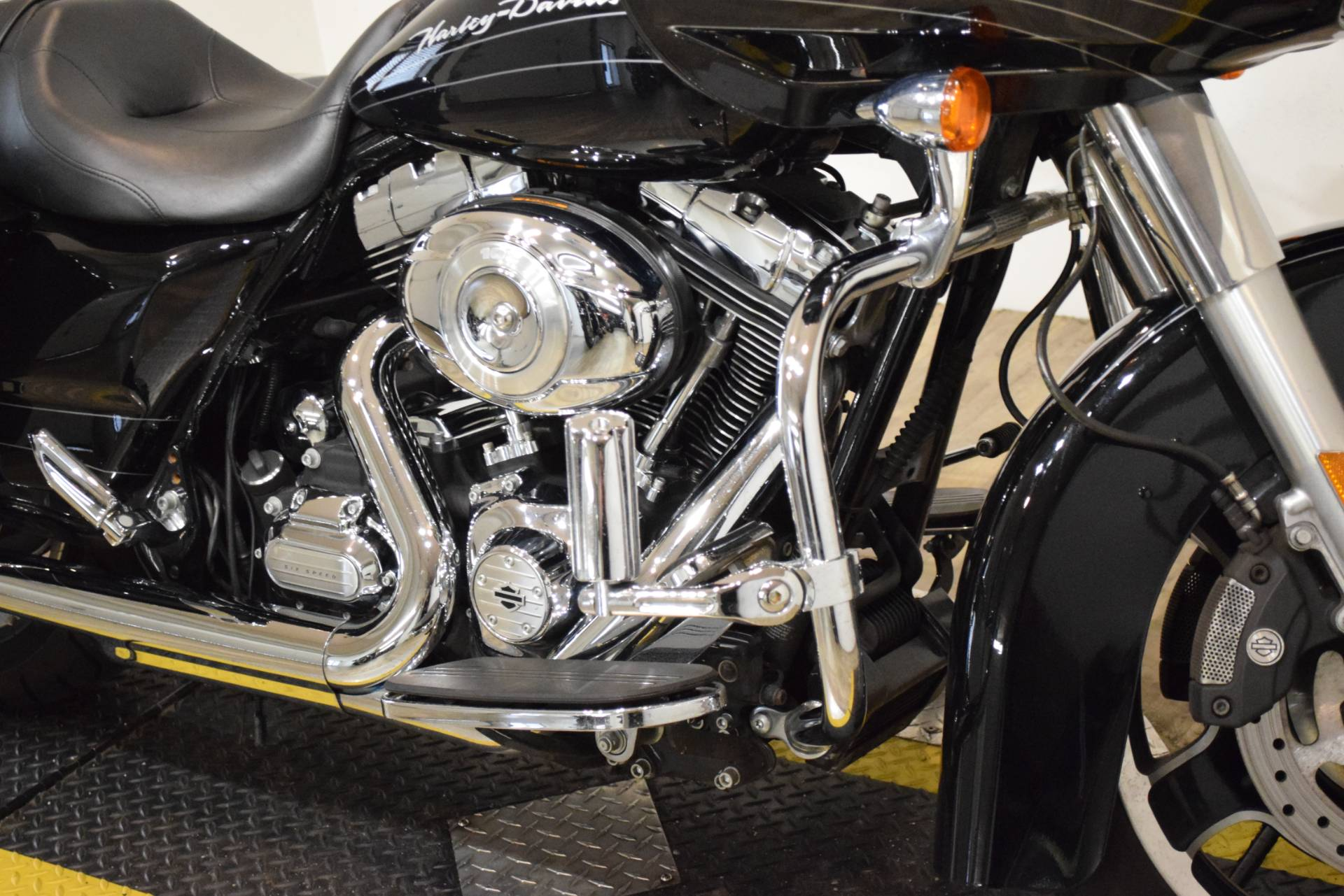 2013 Harley-Davidson Road Glide® Custom in Wauconda, Illinois - Photo 4