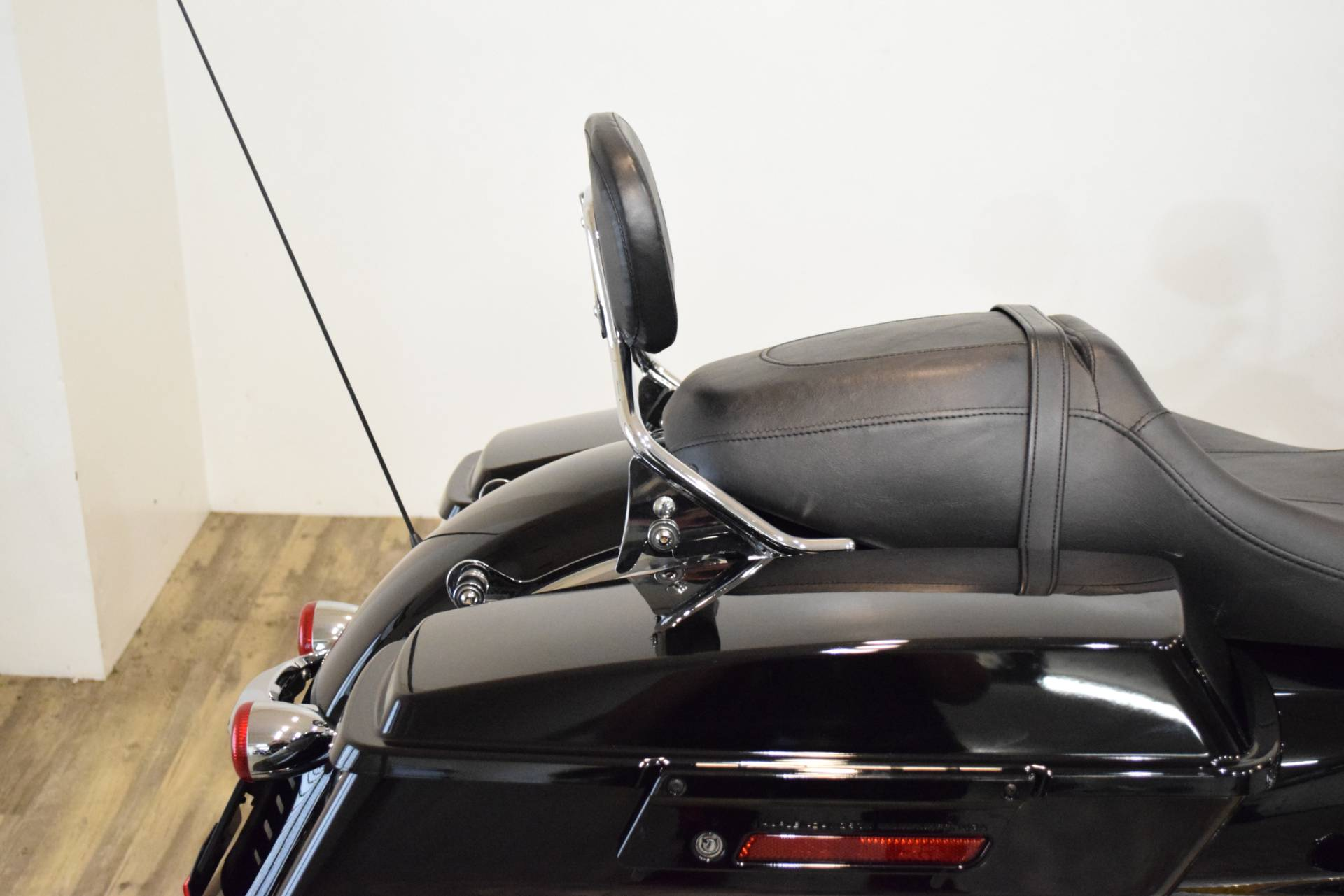 2013 Harley-Davidson Road Glide® Custom in Wauconda, Illinois - Photo 8
