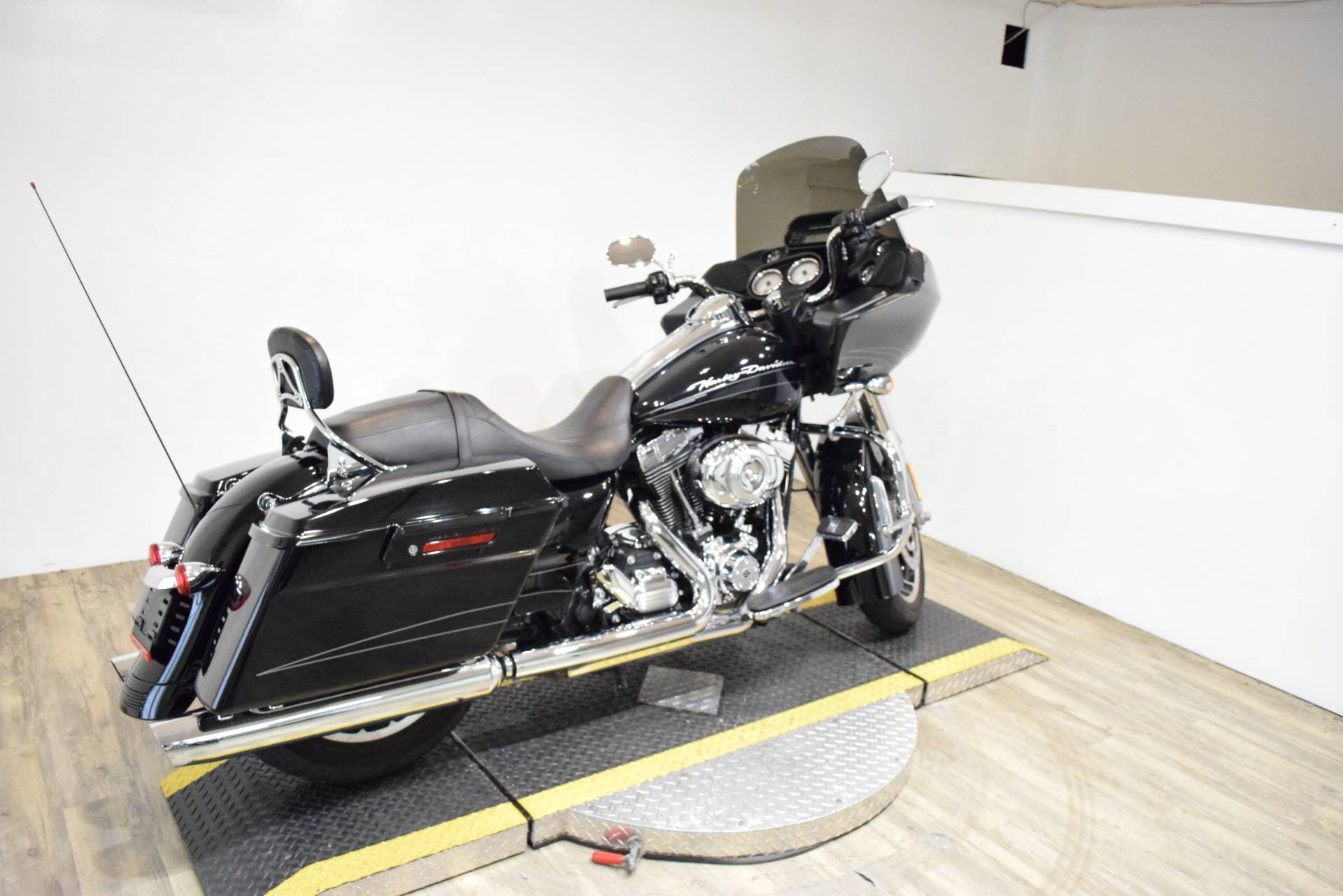 2013 Harley-Davidson Road Glide® Custom in Wauconda, Illinois - Photo 11