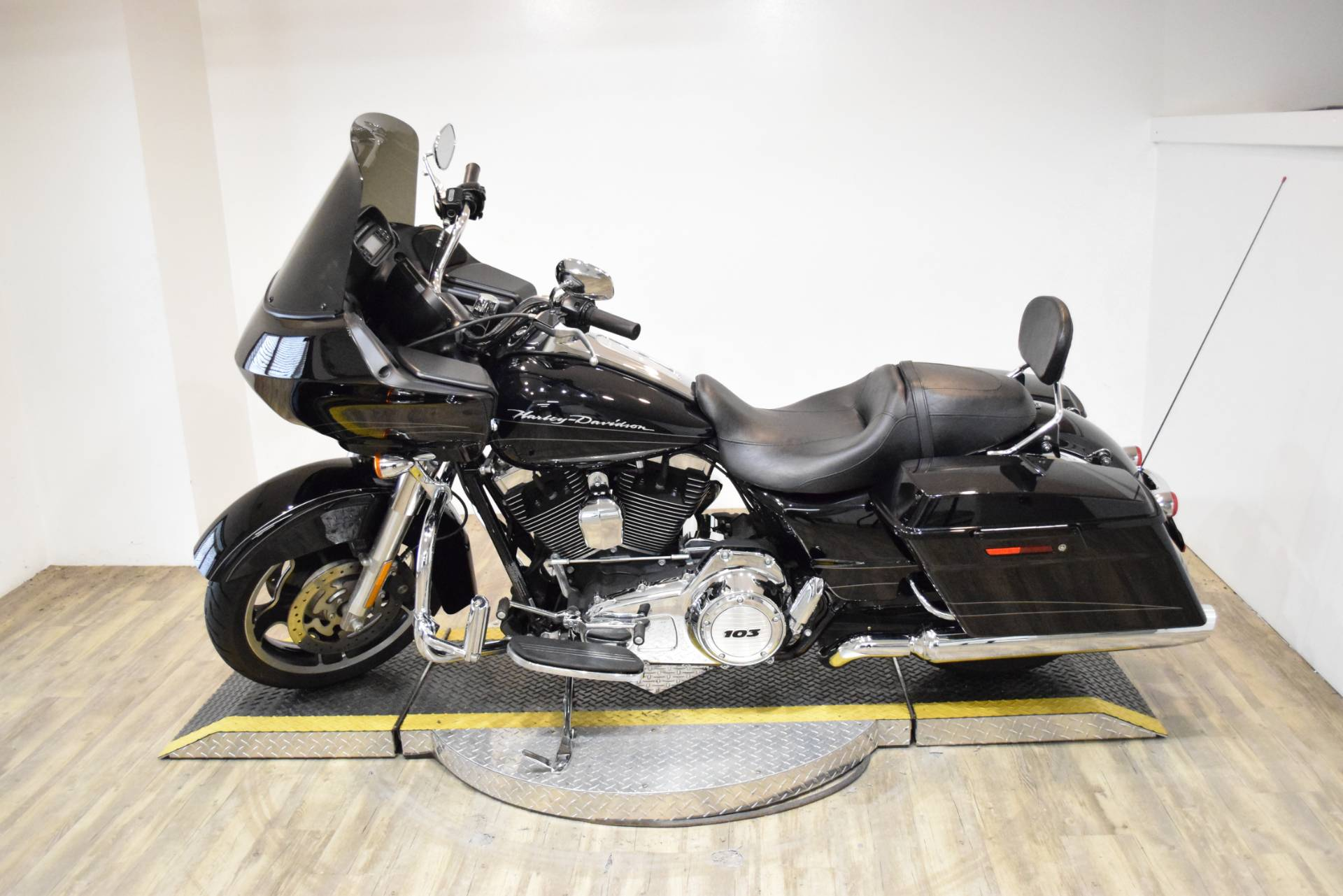 2013 Harley-Davidson Road Glide® Custom in Wauconda, Illinois - Photo 17