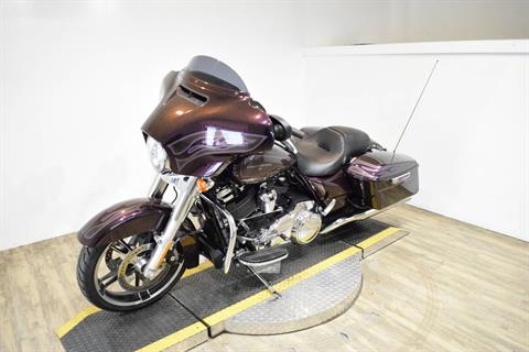 2017 Harley-Davidson Street Glide® Special in Wauconda, Illinois - Photo 24