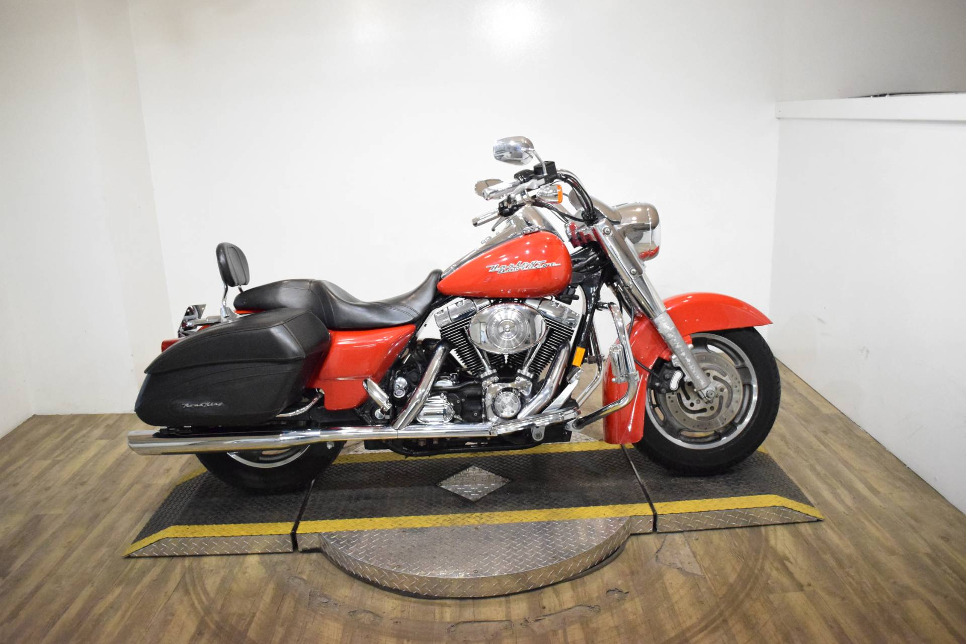 2004 Harley-Davidson FLHRS/FLHRSI Road King® Custom in Wauconda, Illinois - Photo 1