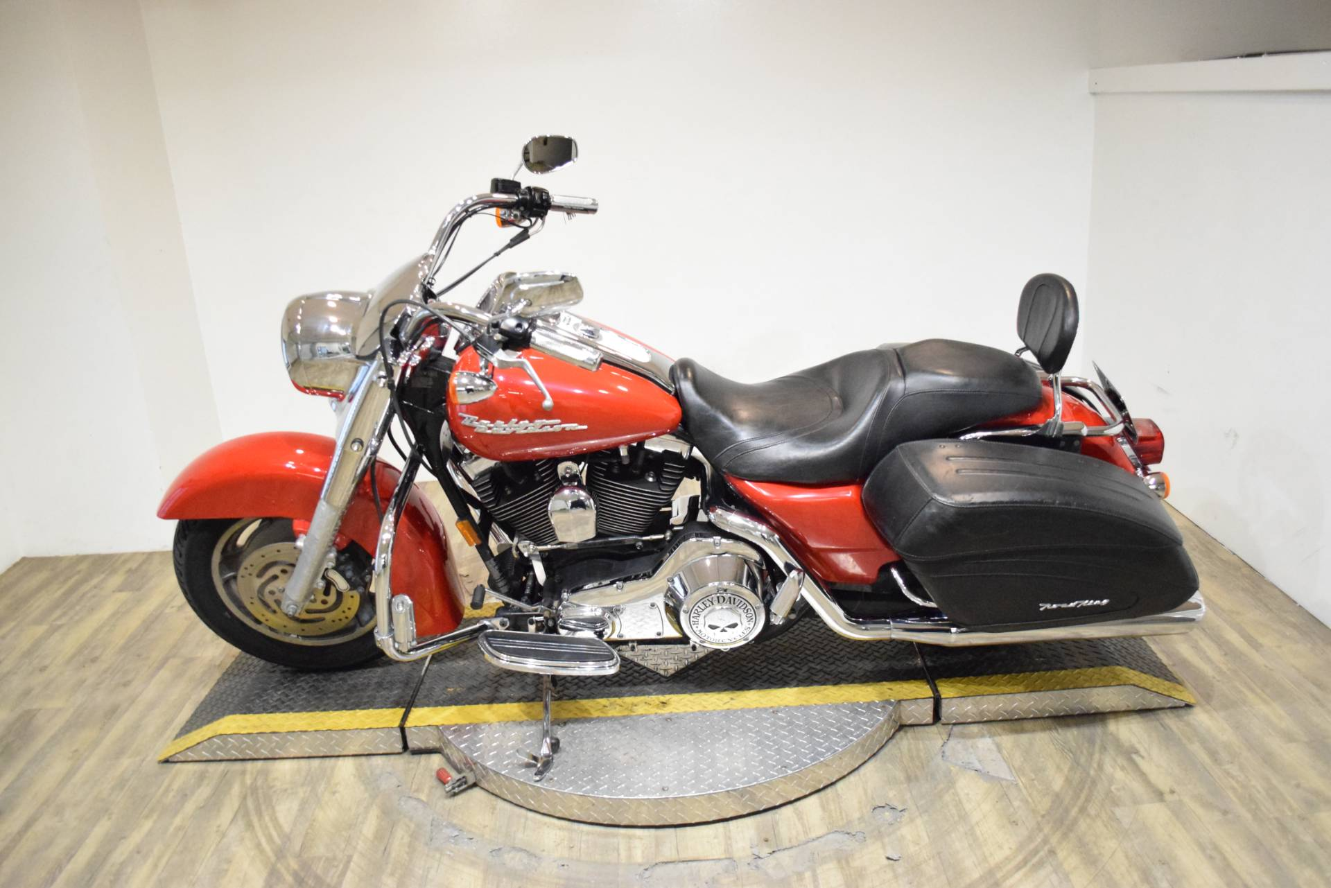 2004 Harley-Davidson FLHRS/FLHRSI Road King® Custom in Wauconda, Illinois - Photo 15