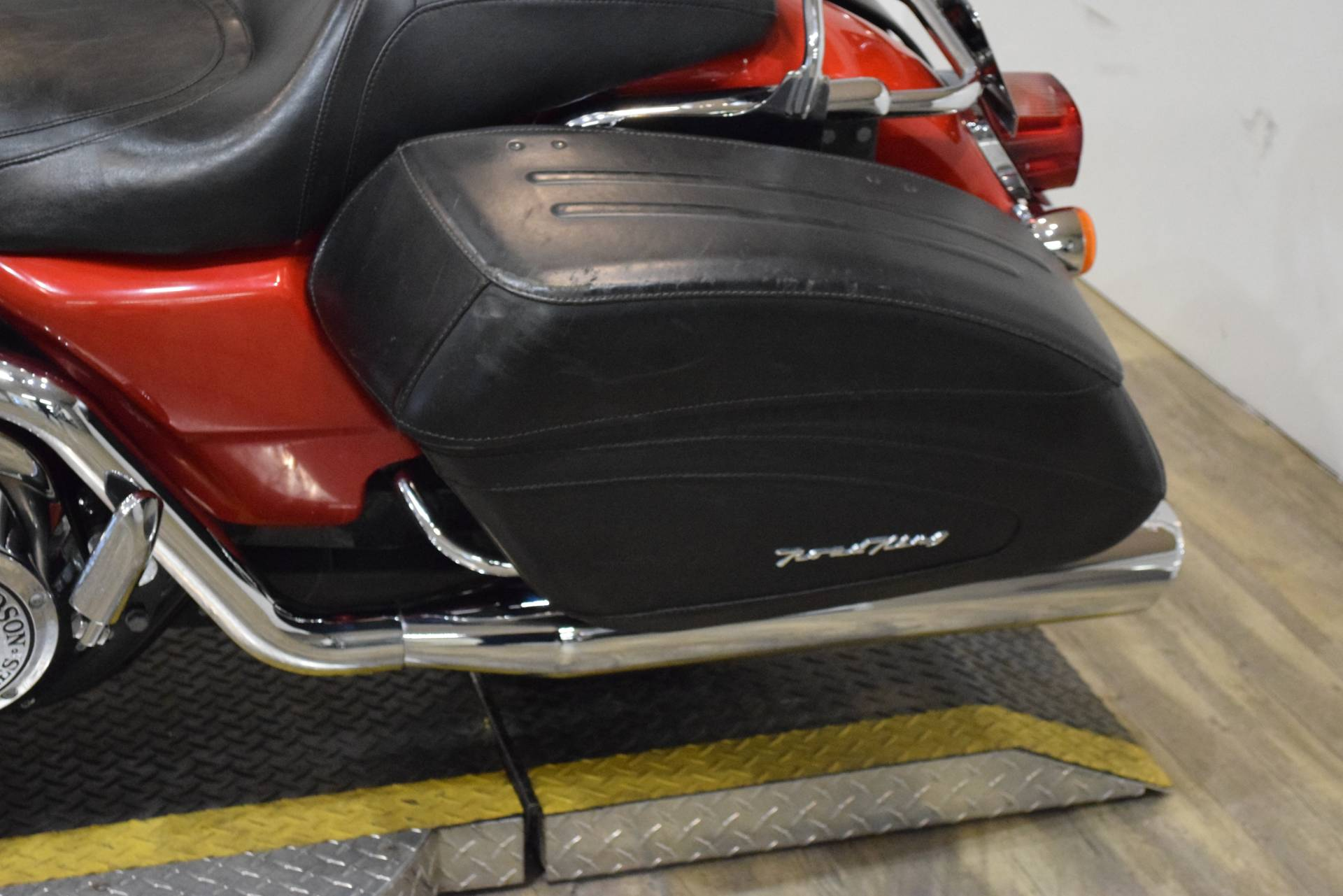 2004 Harley-Davidson FLHRS/FLHRSI Road King® Custom in Wauconda, Illinois - Photo 16