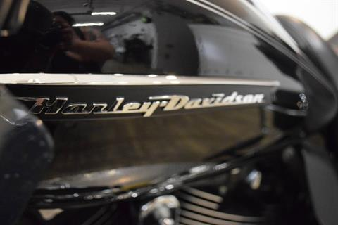 2017 Harley-Davidson Road Glide® Ultra in Wauconda, Illinois - Photo 20