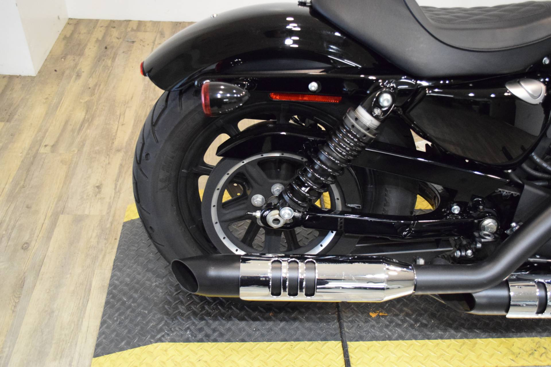 2018 Harley-Davidson Iron 1200™ in Wauconda, Illinois - Photo 8