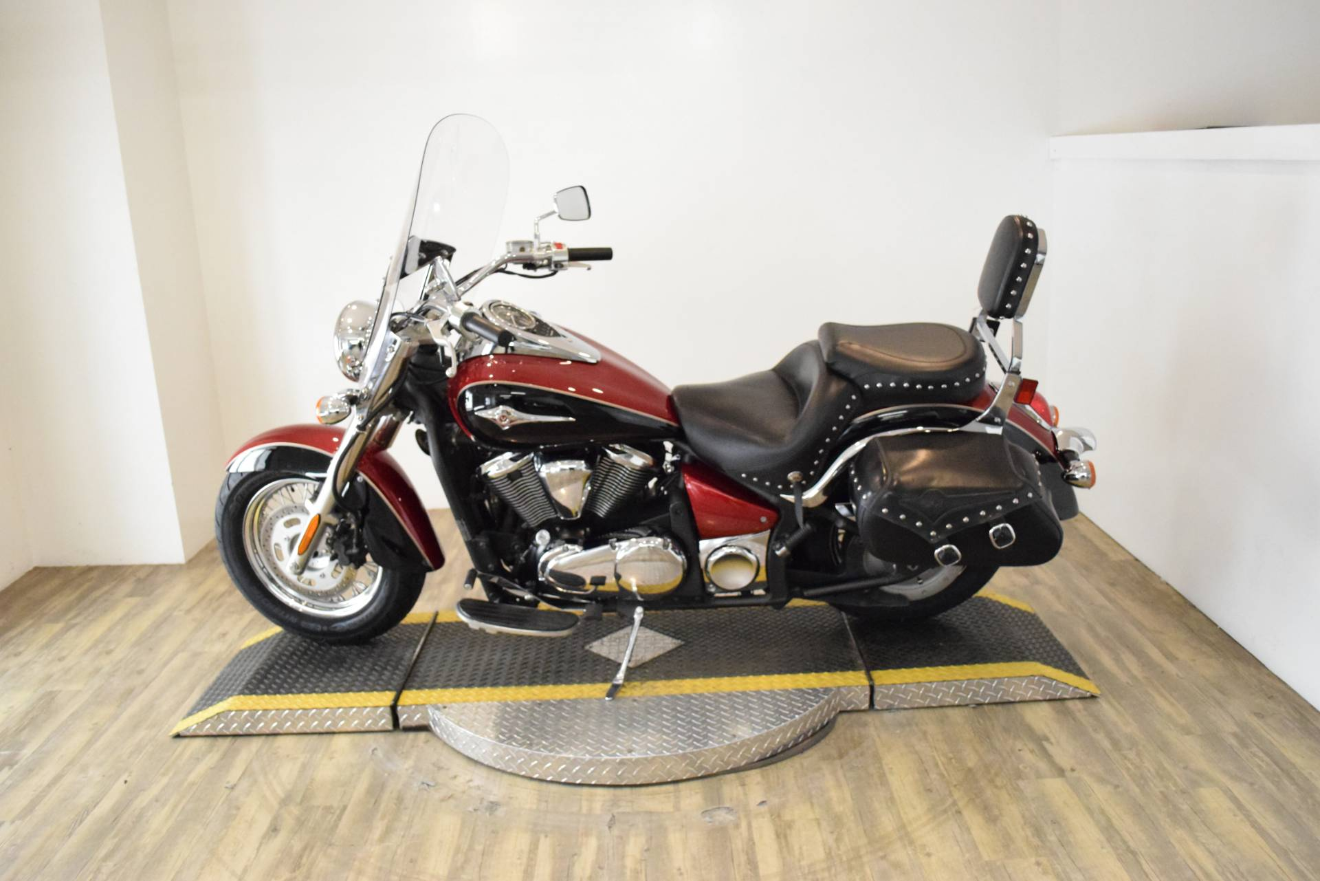 2008 Kawasaki Vulcan® 900 Classic LT in Wauconda, Illinois - Photo 16