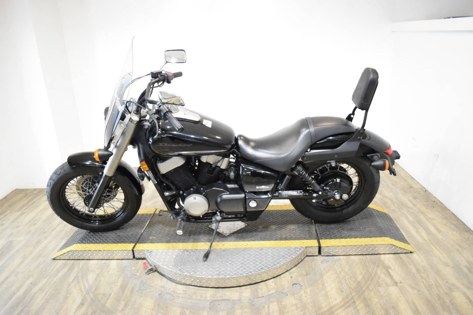 2010 Honda Shadow® Phantom in Wauconda, Illinois - Photo 15