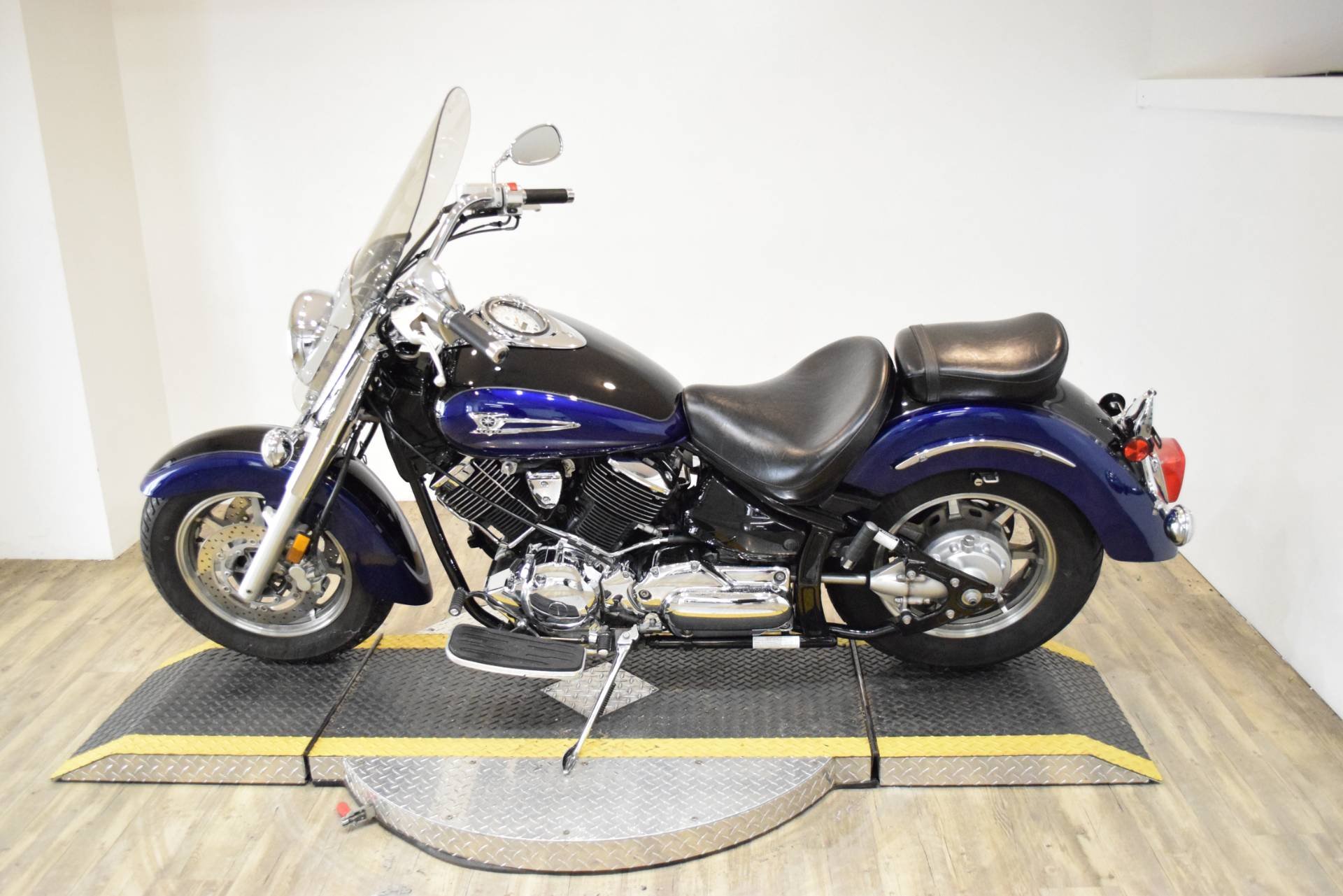 2005 Yamaha V Star® 1100 Classic in Wauconda, Illinois - Photo 16