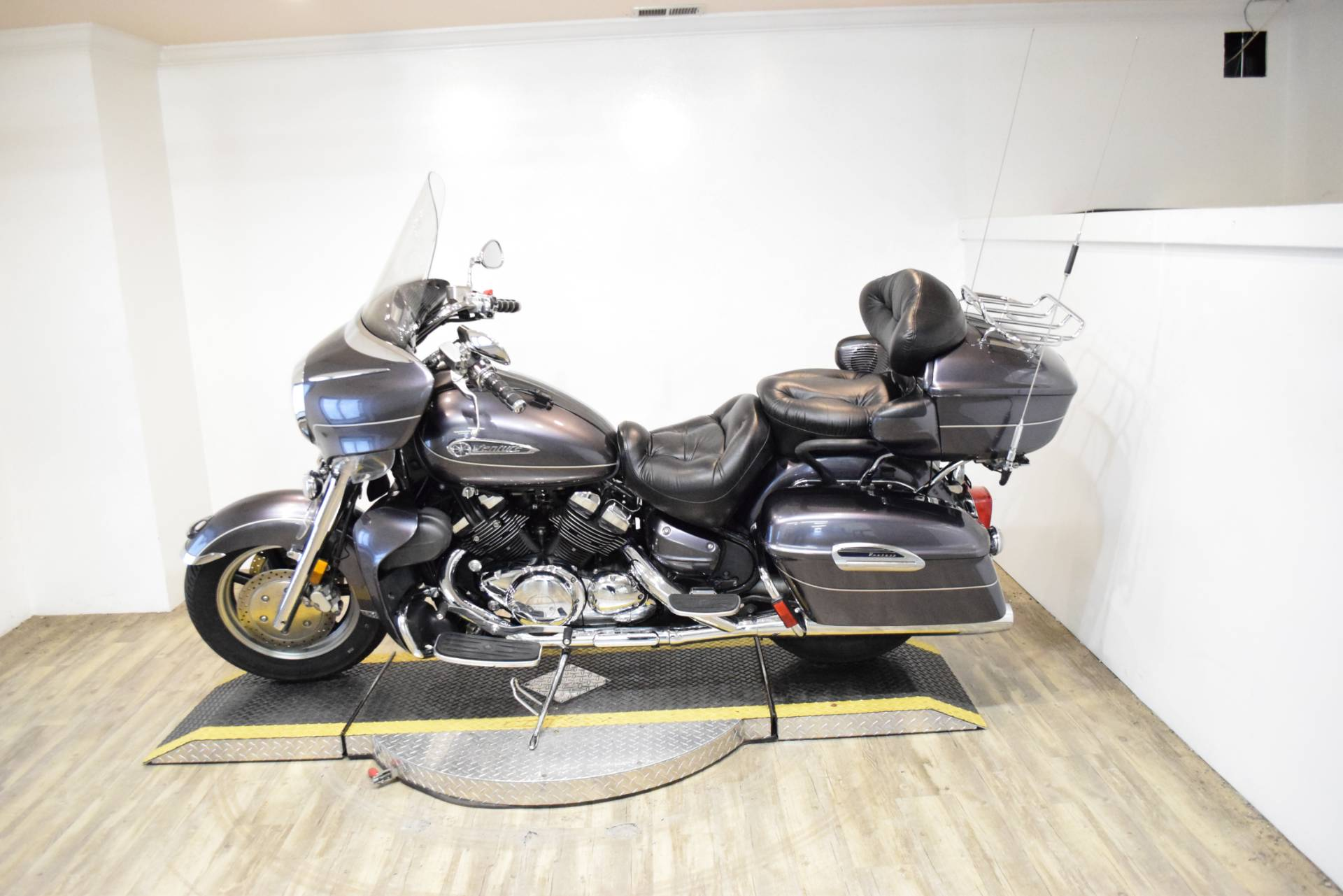 2008 Yamaha Royal Star® Venture in Wauconda, Illinois - Photo 17