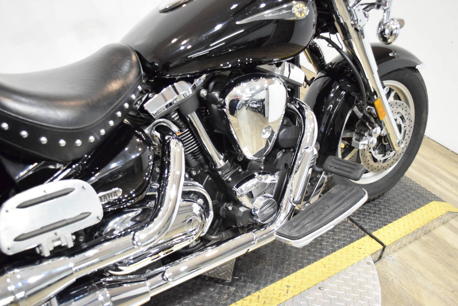 2004 Yamaha Road Star Midnight Silverado® in Wauconda, Illinois - Photo 7