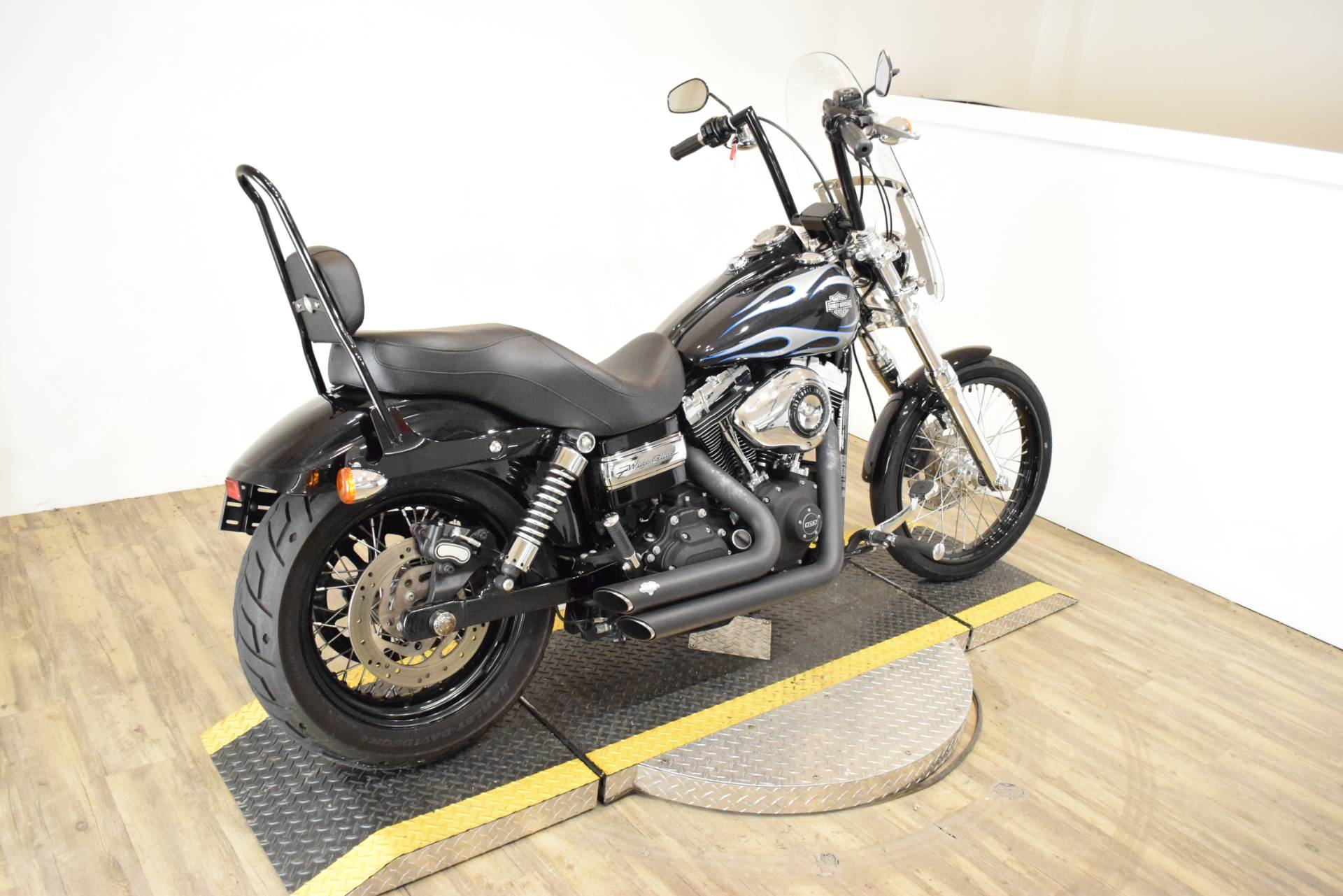 2013 Harley-Davidson Dyna® Wide Glide® in Wauconda, Illinois - Photo 10