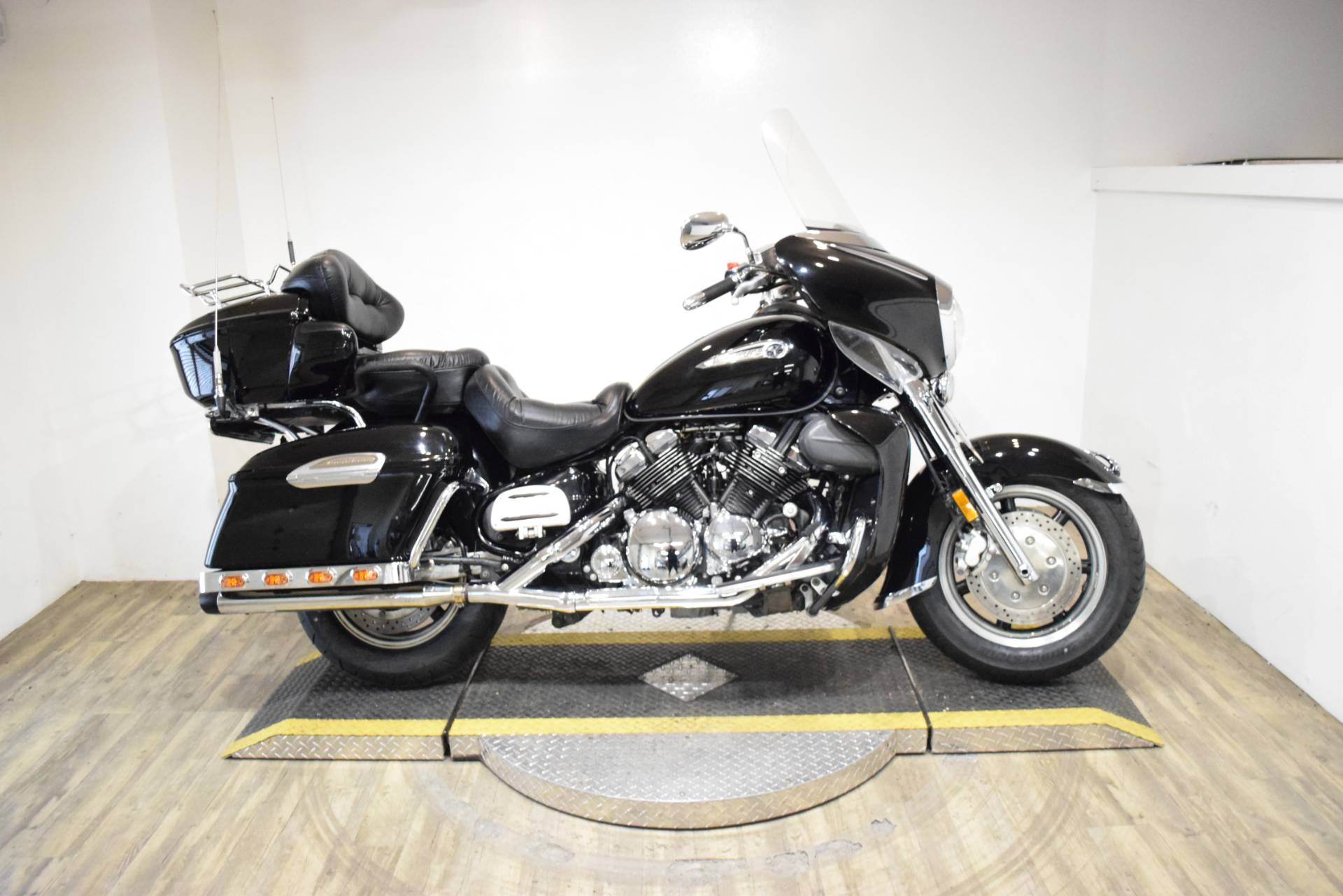 2007 Yamaha Royal Star® Midnight Venture in Wauconda, Illinois - Photo 1