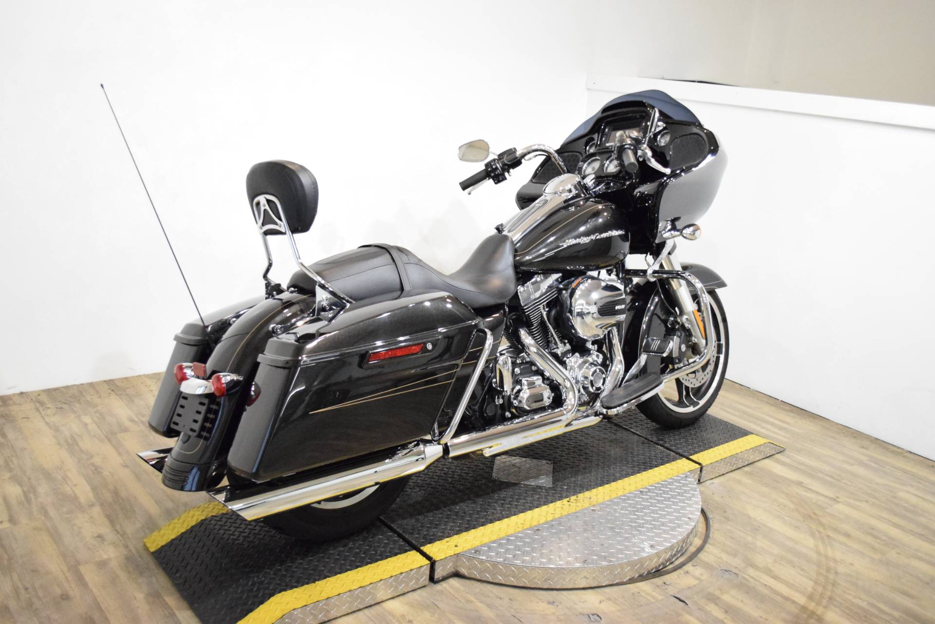 2016 Harley-Davidson Road Glide® Special in Wauconda, Illinois - Photo 11
