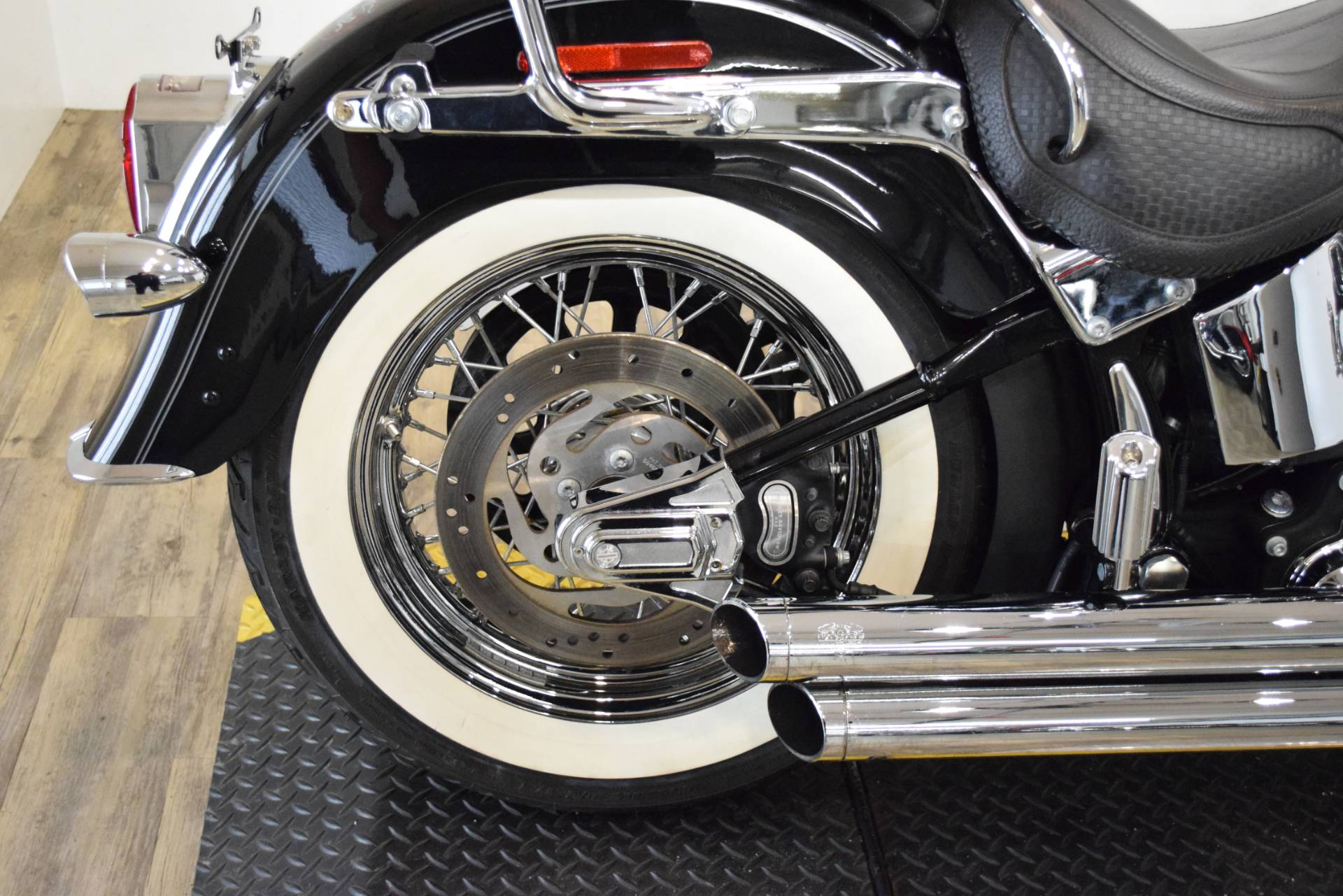 2007 Harley-Davidson Softail Deluxe in Wauconda, Illinois - Photo 9