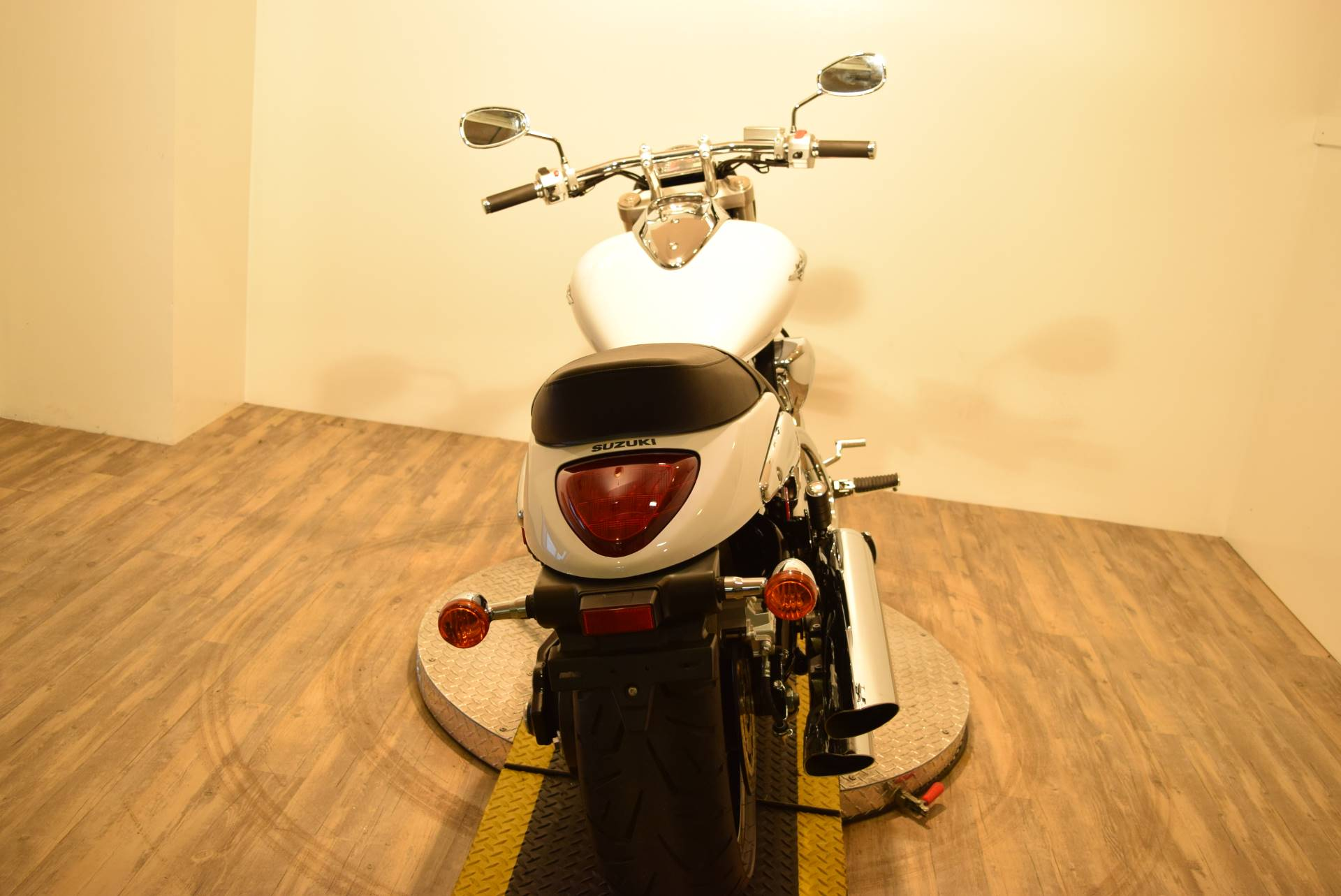 2015 Suzuki Boulevard M90 in Wauconda, Illinois - Photo 19