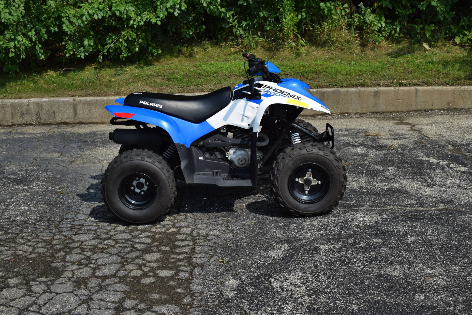 2016 Polaris Phoenix 200 in Wauconda, Illinois - Photo 1