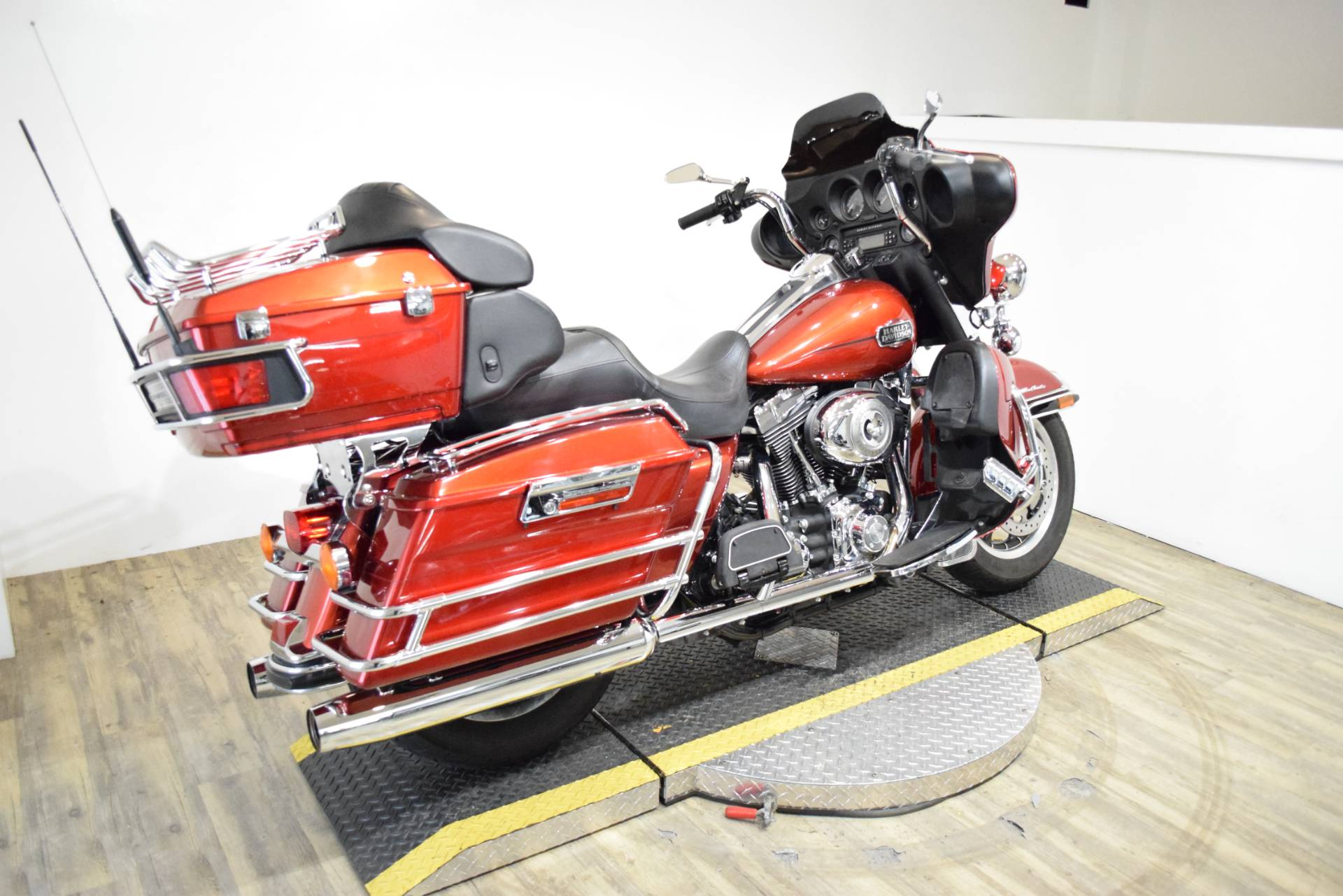 2008 Harley-Davidson Ultra Classic® Electra Glide® in Wauconda, Illinois - Photo 11