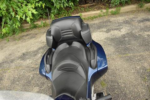 2011 Can-Am Spyder® RT Audio & Convenience SE5 in Wauconda, Illinois - Photo 17