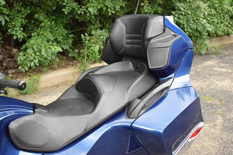 2011 Can-Am Spyder® RT Audio & Convenience SE5 in Wauconda, Illinois - Photo 22