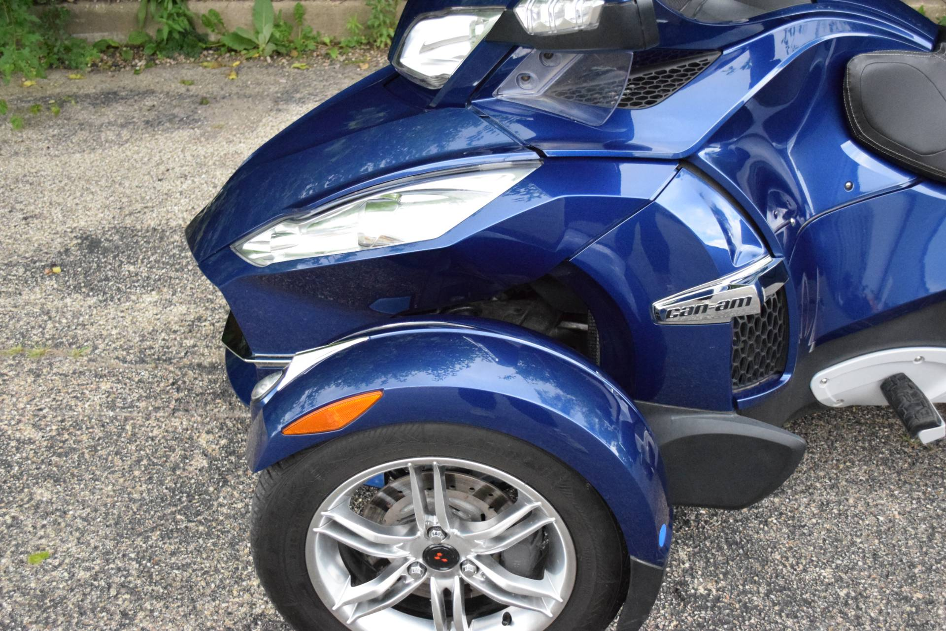 2011 Can-Am Spyder® RT Audio & Convenience SE5 in Wauconda, Illinois - Photo 24