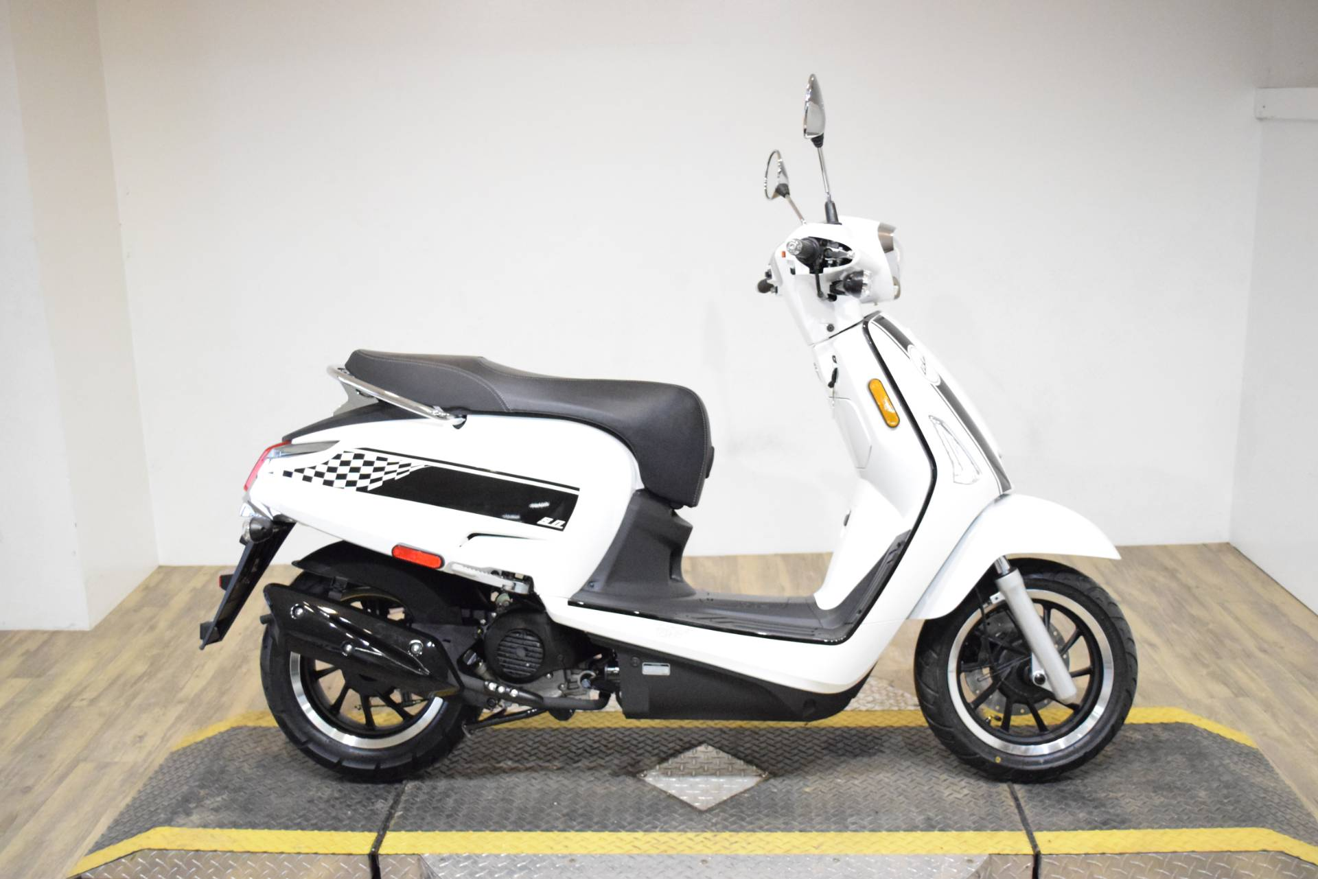 2020 Kymco Like 50i in Wauconda, Illinois - Photo 2