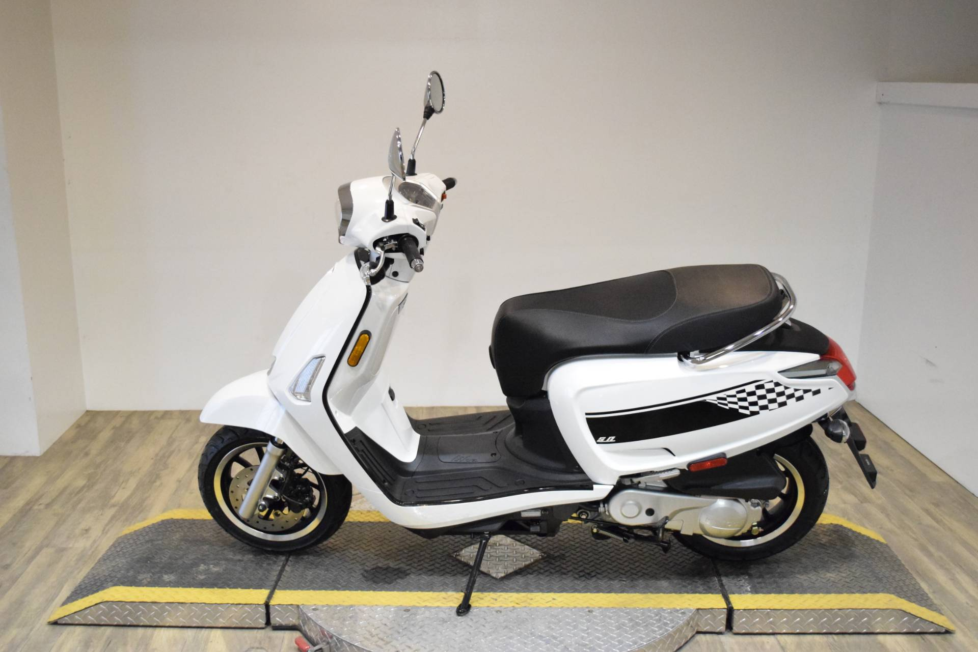 2020 Kymco Like 50i in Wauconda, Illinois - Photo 6