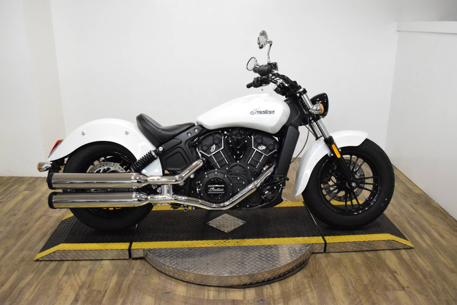 2016 Indian Scout® Sixty in Wauconda, Illinois