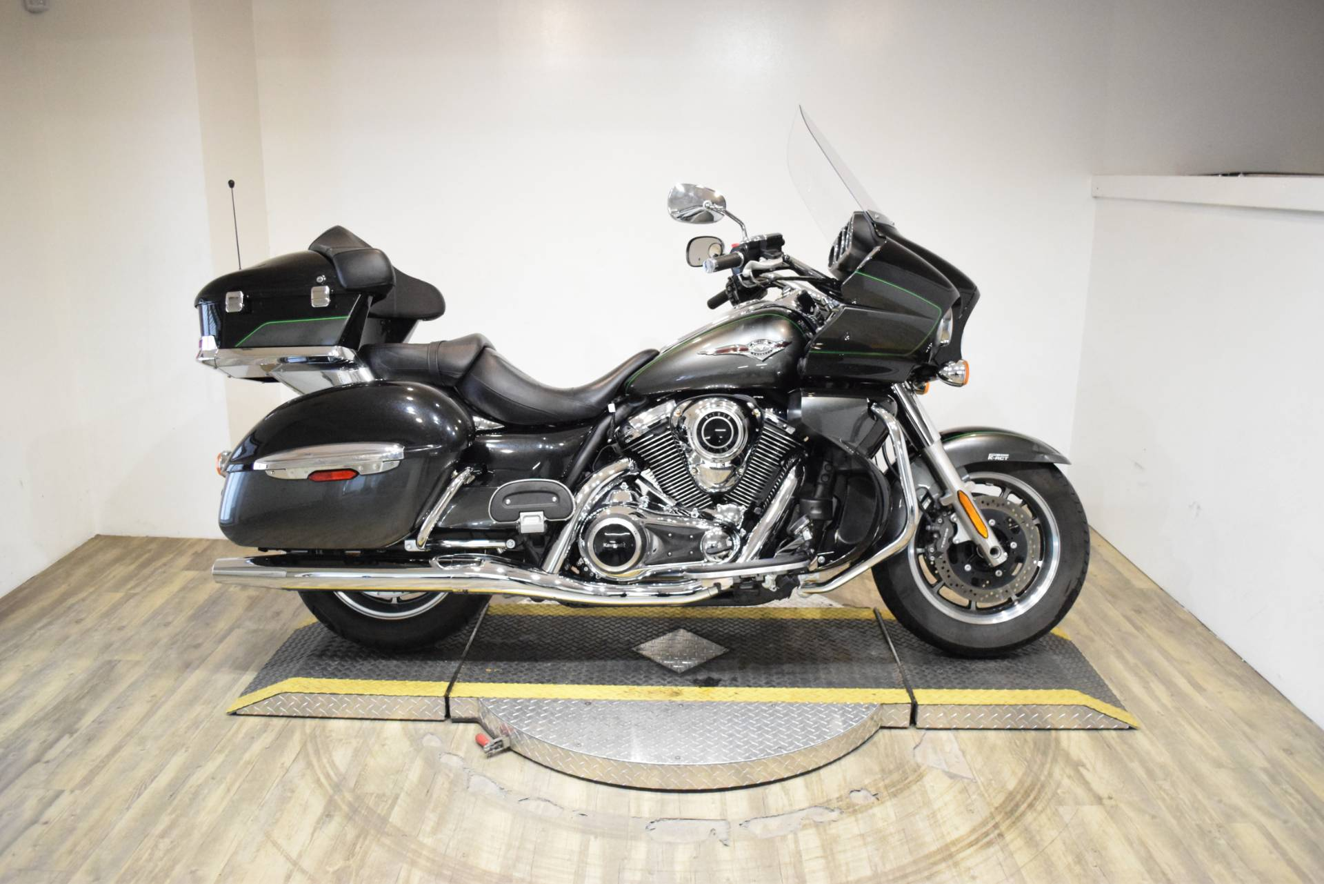 2017 Kawasaki Vulcan 1700 Voyager ABS in Wauconda, Illinois - Photo 1