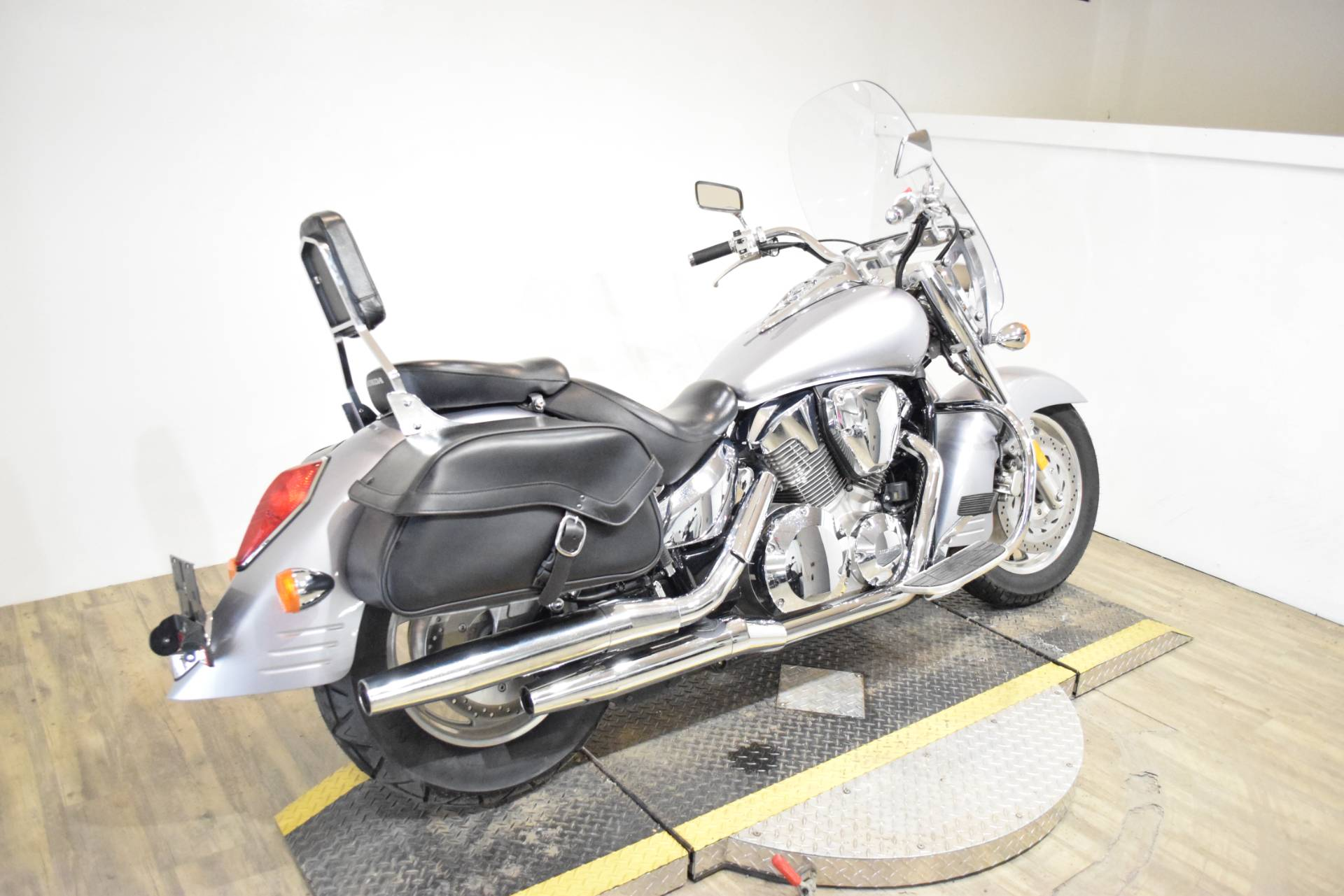 2008 Honda VTX®1300T in Wauconda, Illinois - Photo 9