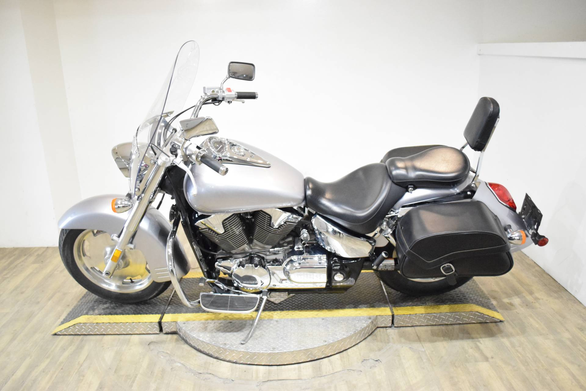 2008 Honda VTX®1300T in Wauconda, Illinois - Photo 15