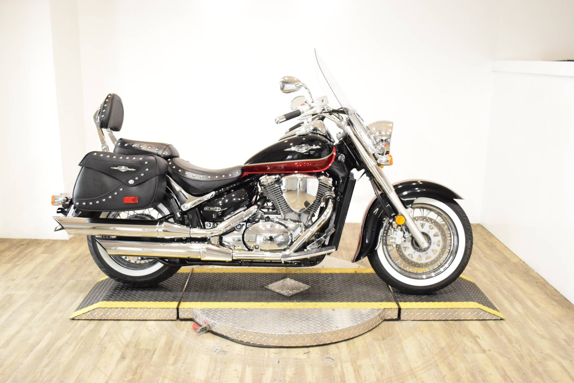 2013 Suzuki C50T BOULEVARD in Wauconda, Illinois - Photo 1