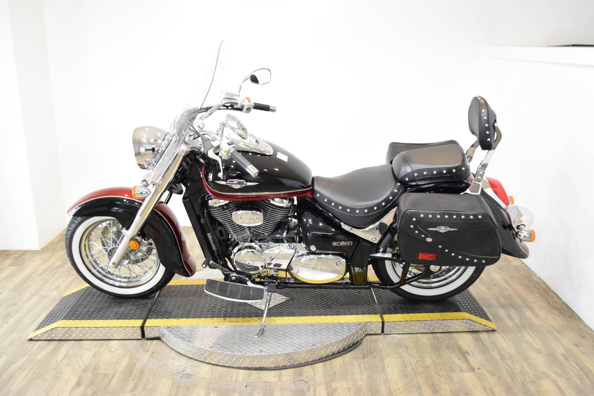 2013 Suzuki C50T BOULEVARD in Wauconda, Illinois - Photo 17