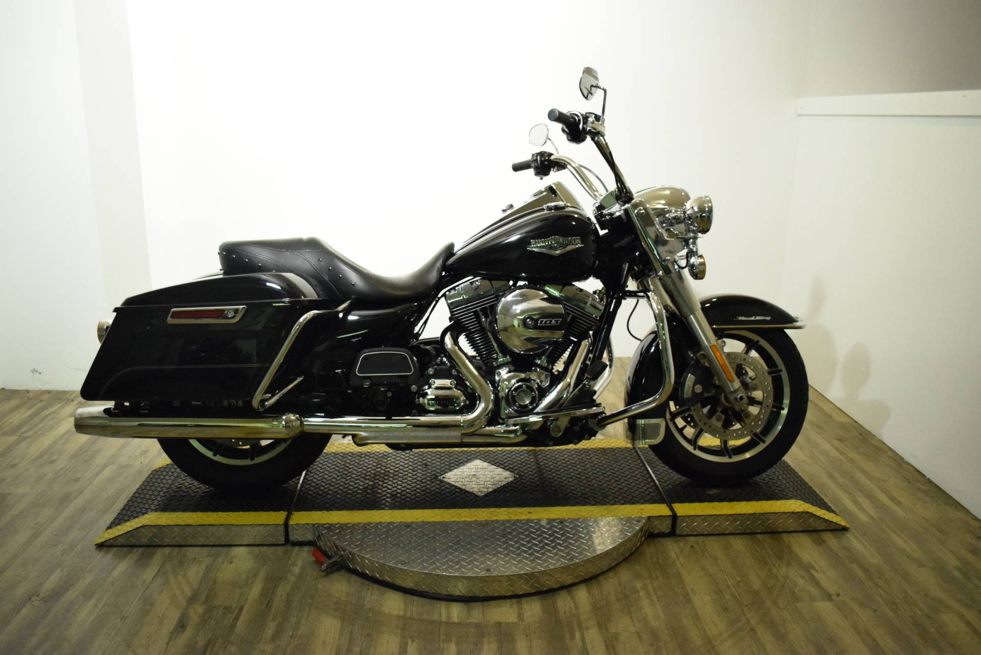 2014 harley davidson road king used motorcycle for sale wauconda 2014 harley davidson road king in wauconda illinois publicscrutiny Gallery