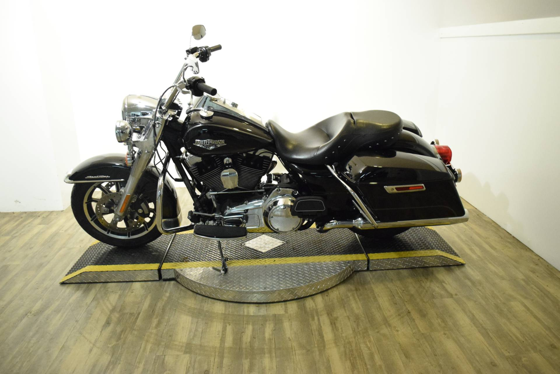2014 Harley-Davidson Road King® in Wauconda, Illinois - Photo 16