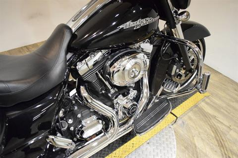 2012 Harley-Davidson Street Glide® in Wauconda, Illinois - Photo 6