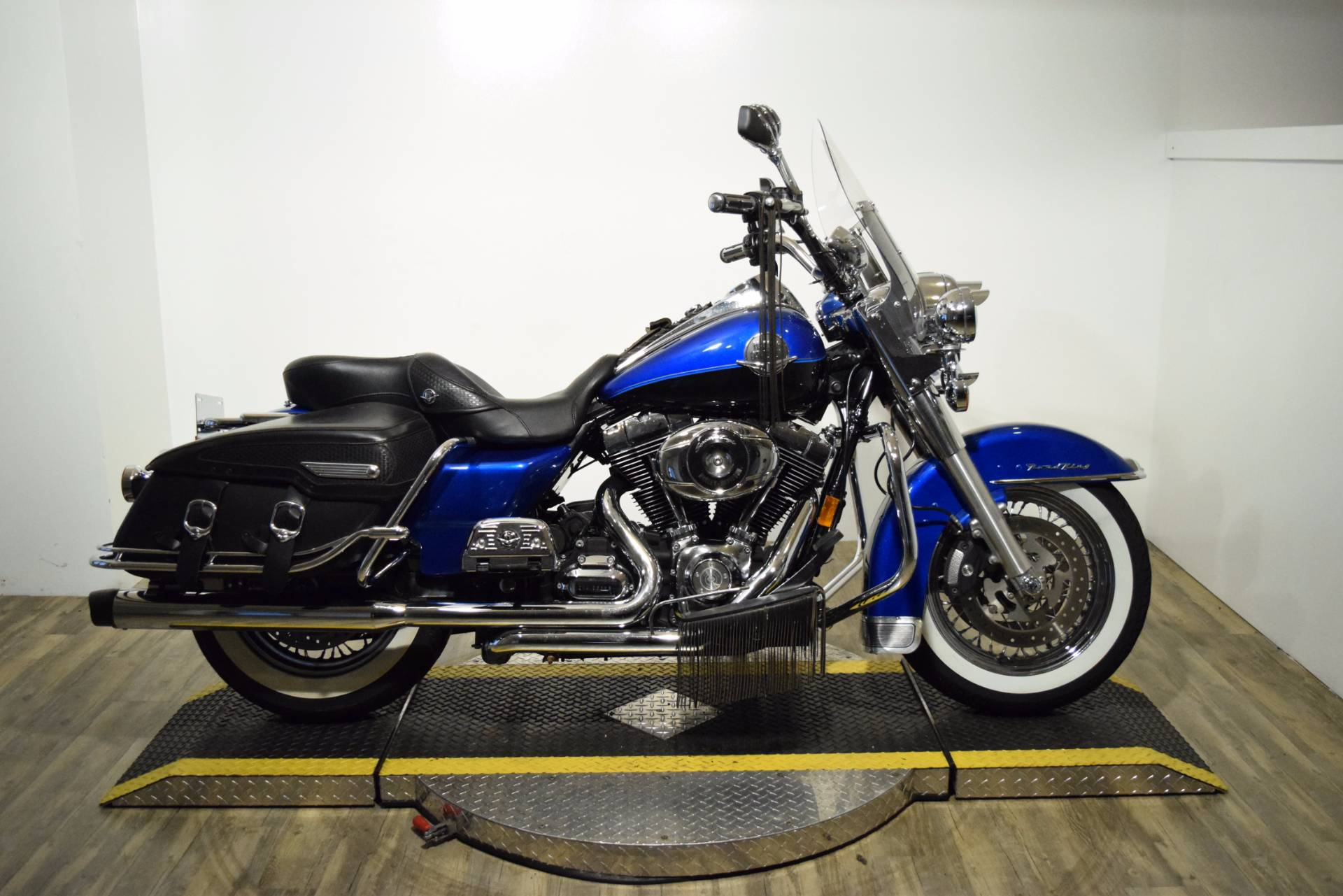 2008 Harley-Davidson Road King® Classic in Wauconda, Illinois