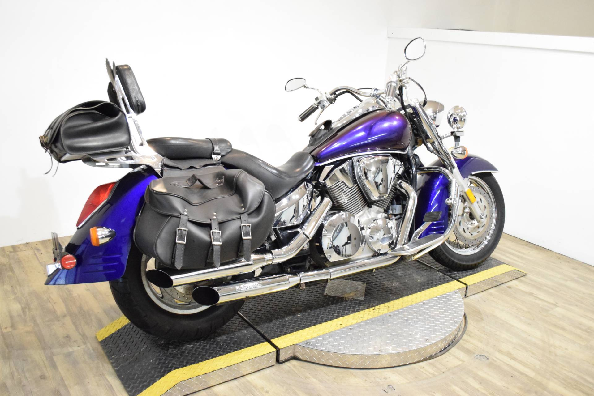 2003 Honda VTX  1300S in Wauconda, Illinois - Photo 11