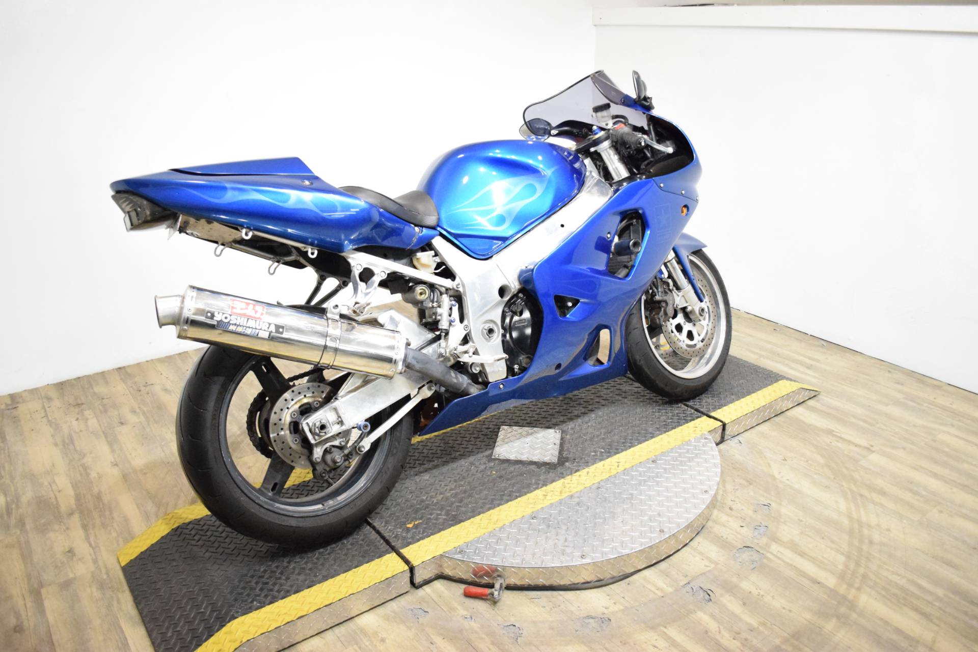 2001 Suzuki GSX-R 750 in Wauconda, Illinois - Photo 9
