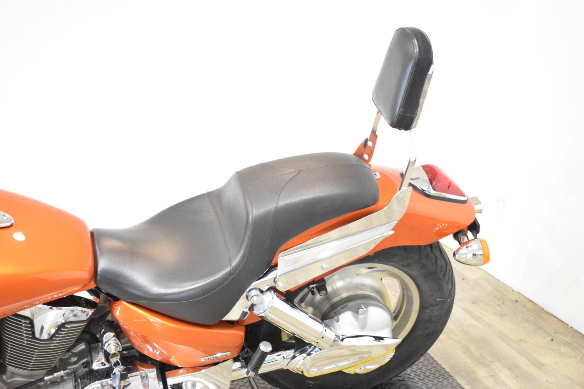 2004 Honda VTX 1300C in Wauconda, Illinois - Photo 17