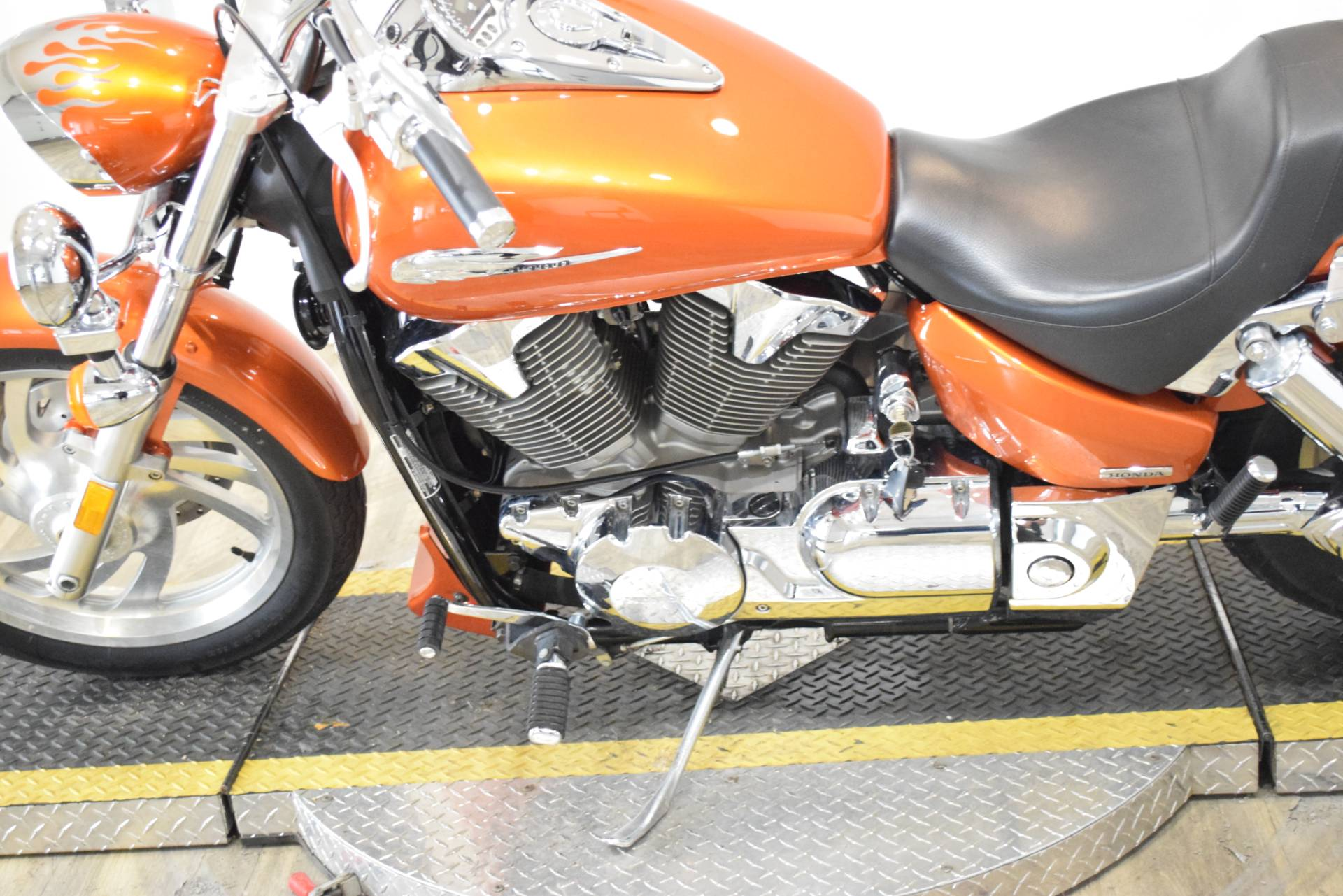 2004 Honda VTX 1300C in Wauconda, Illinois - Photo 18