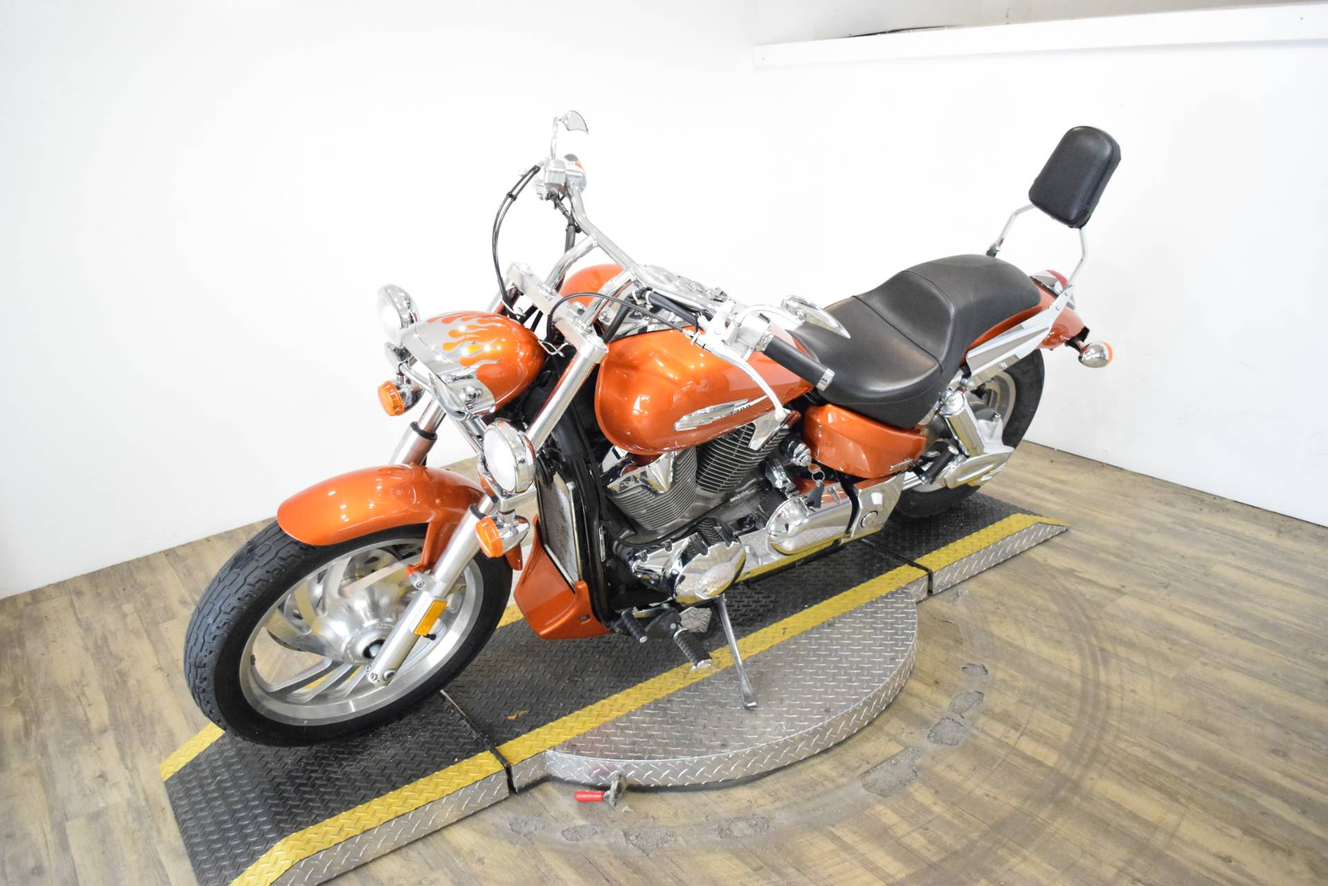 2004 Honda VTX 1300C in Wauconda, Illinois - Photo 22