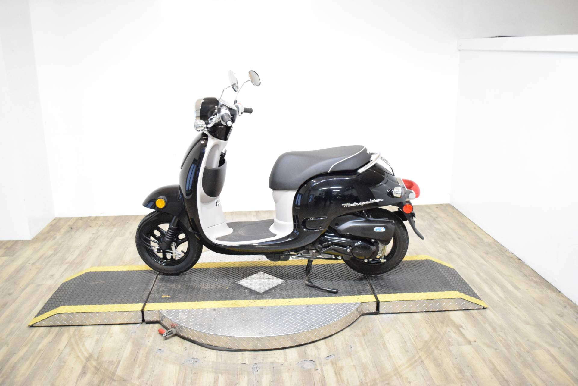 2013 Honda Metropolitan® in Wauconda, Illinois - Photo 13
