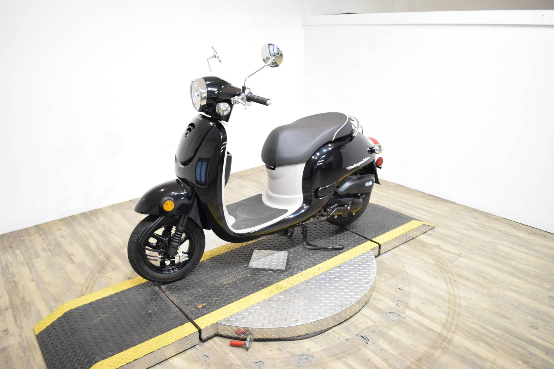 2013 Honda Metropolitan® in Wauconda, Illinois - Photo 19