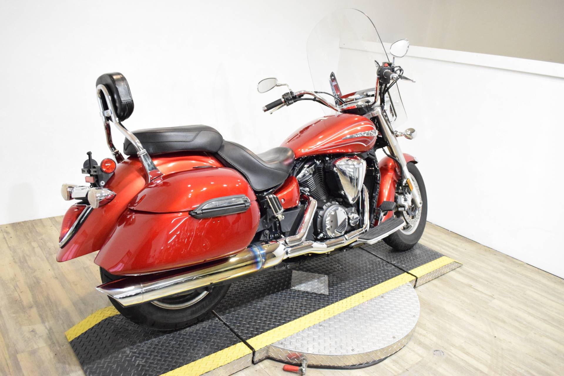 2011 Yamaha V Star 1300 Tourer in Wauconda, Illinois - Photo 11
