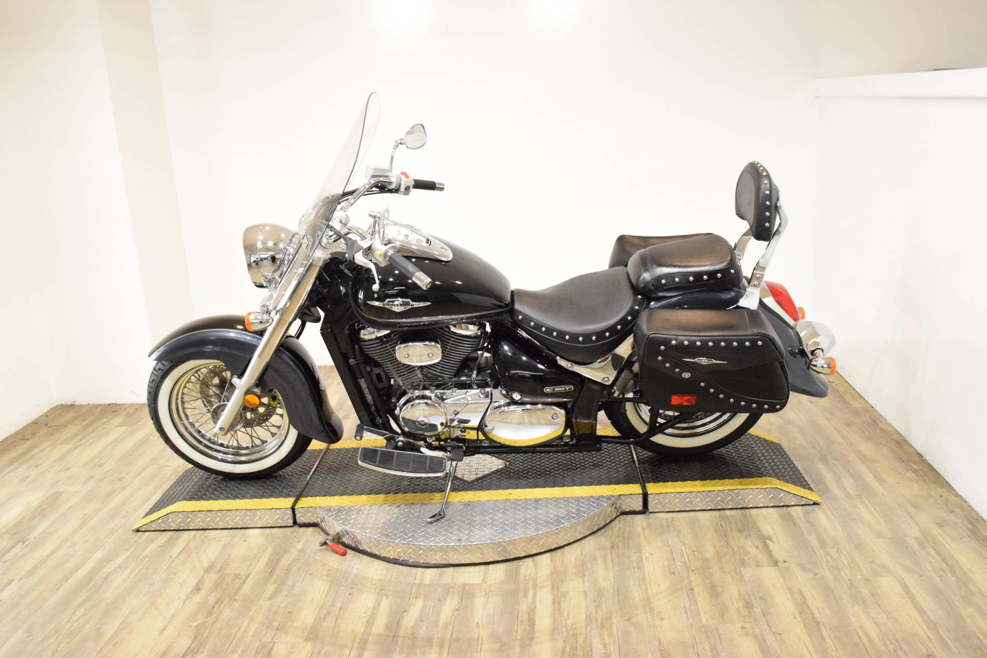 2011 Suzuki Boulevard C50T in Wauconda, Illinois - Photo 18