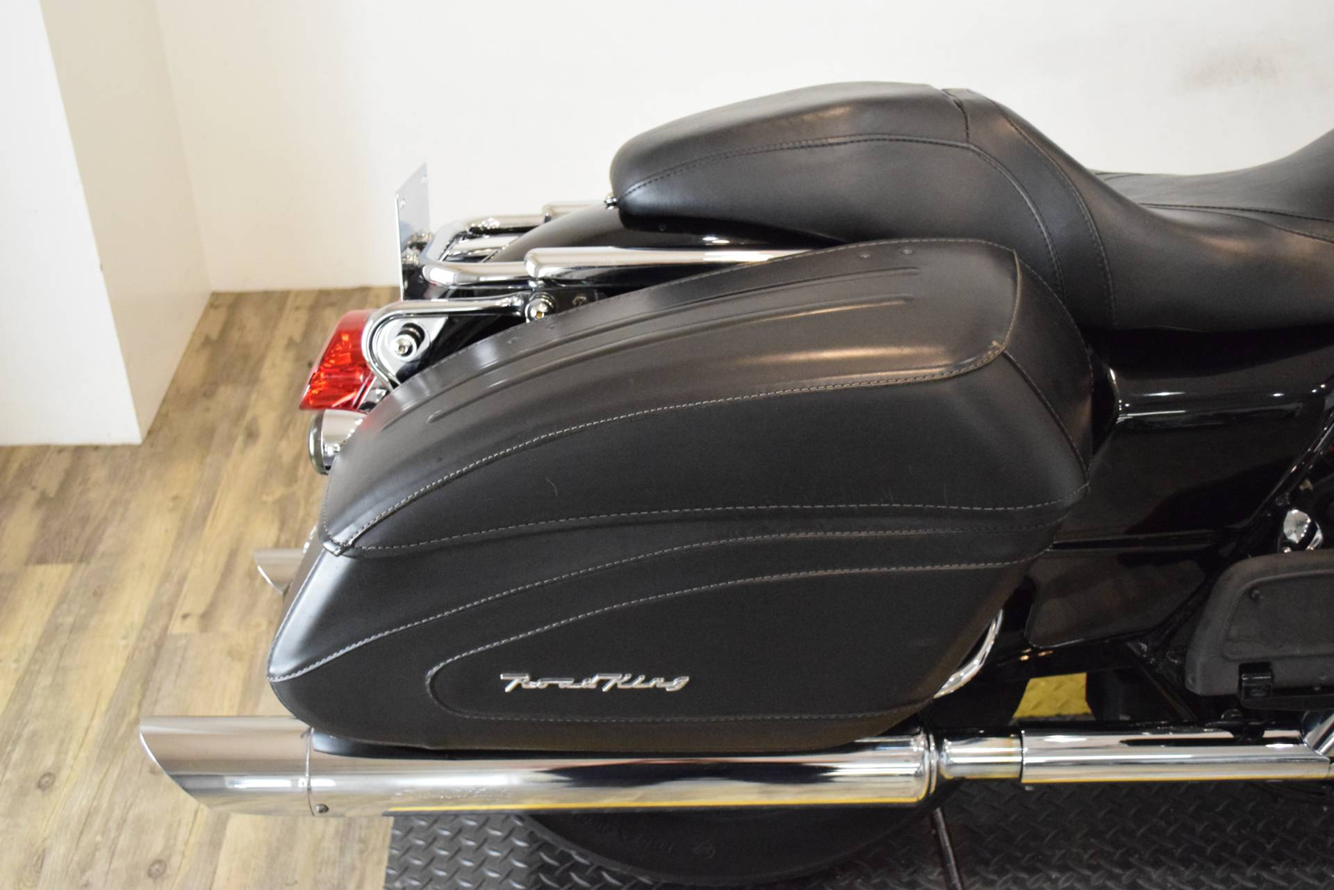 2005 Harley-Davidson FLHR/FLHRI Road King® in Wauconda, Illinois - Photo 8