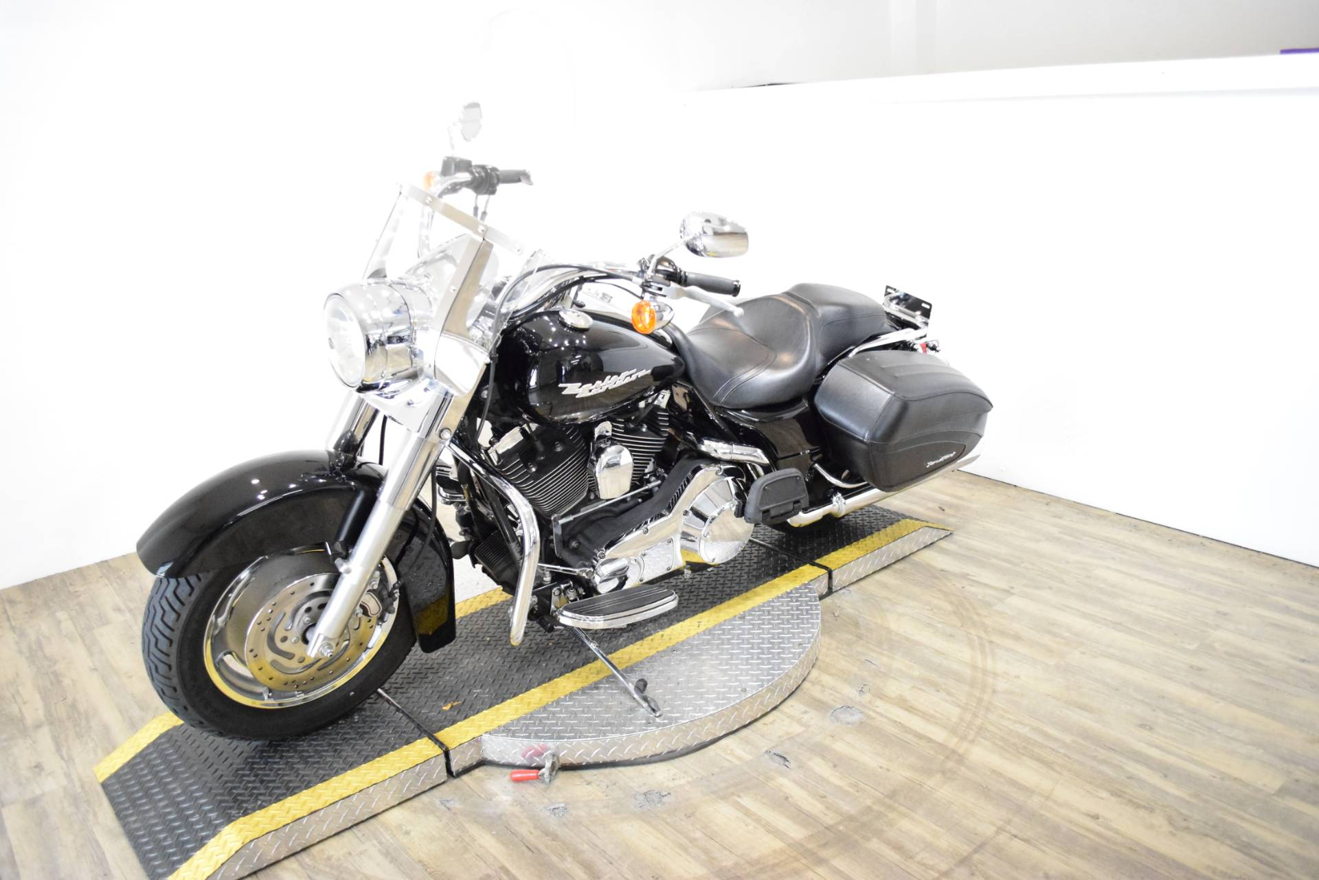 2005 Harley-Davidson FLHR/FLHRI Road King® in Wauconda, Illinois - Photo 23