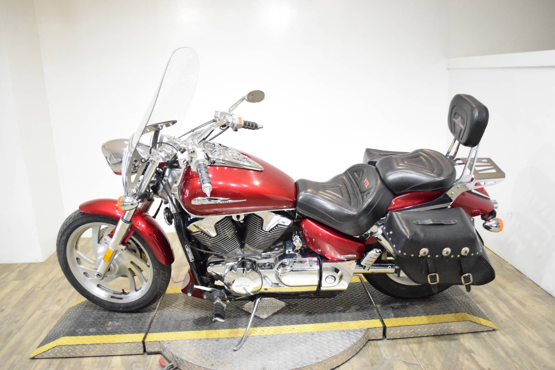 2004 Honda VTX1300C in Wauconda, Illinois - Photo 15